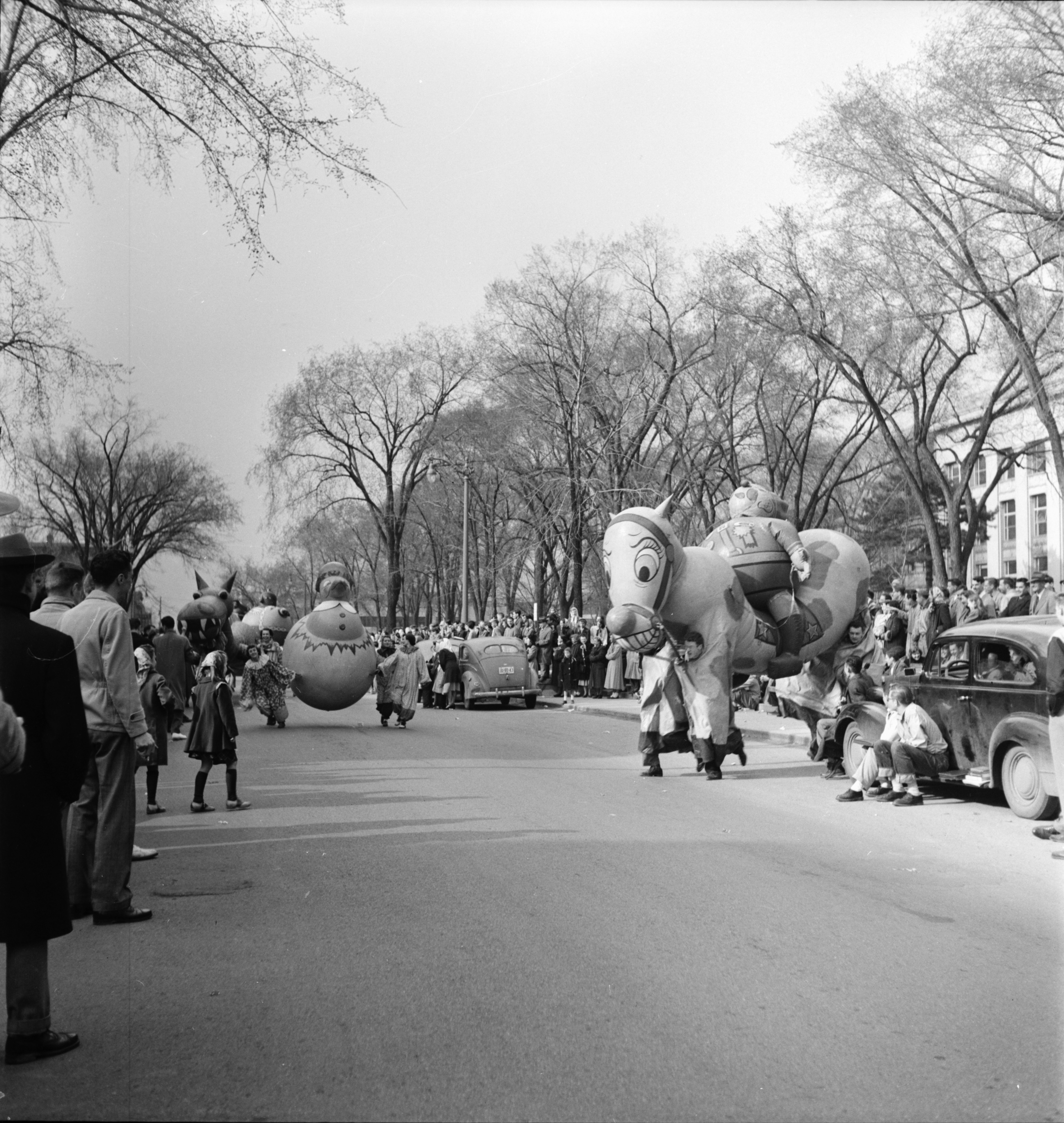 Balloon Horse in the U-M Michigras Parade, April 1950 image