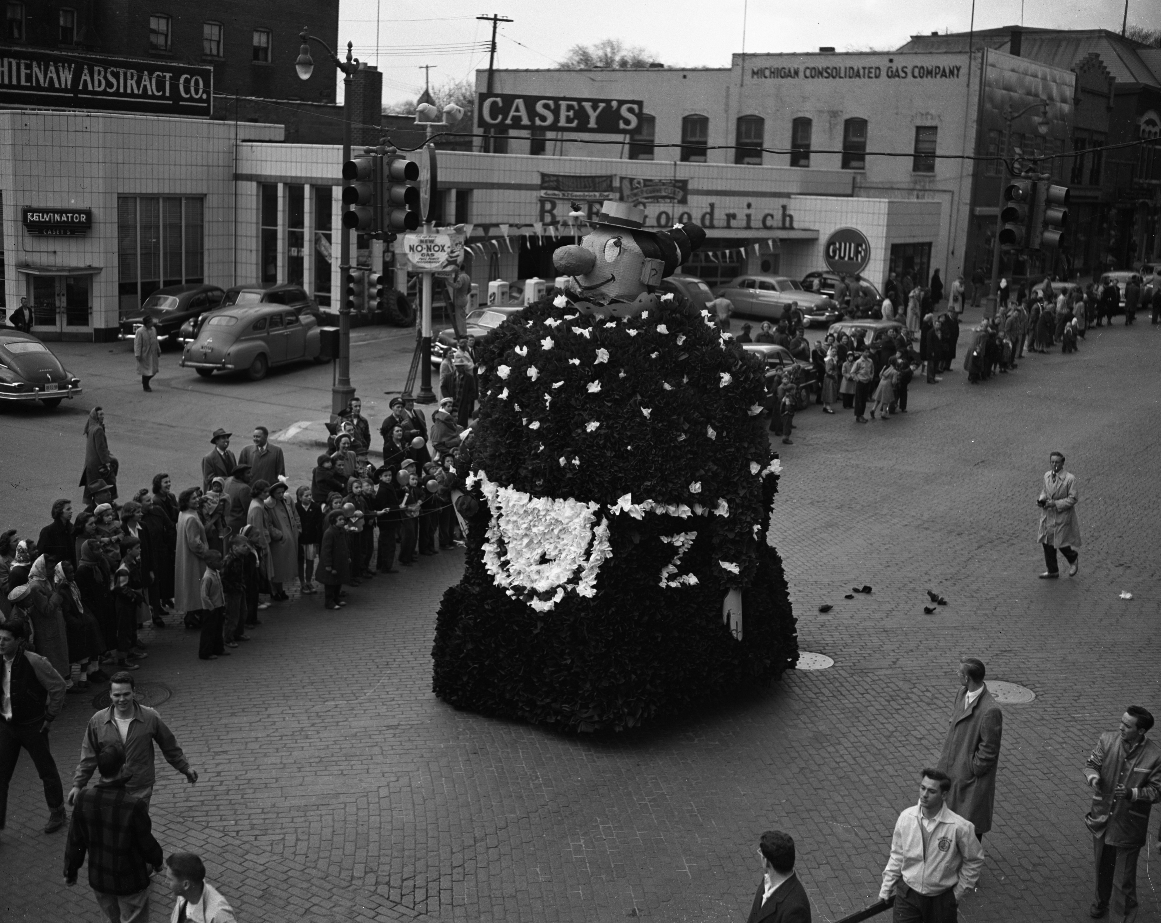 Float, U-M Michigras Parade, April 1950 image