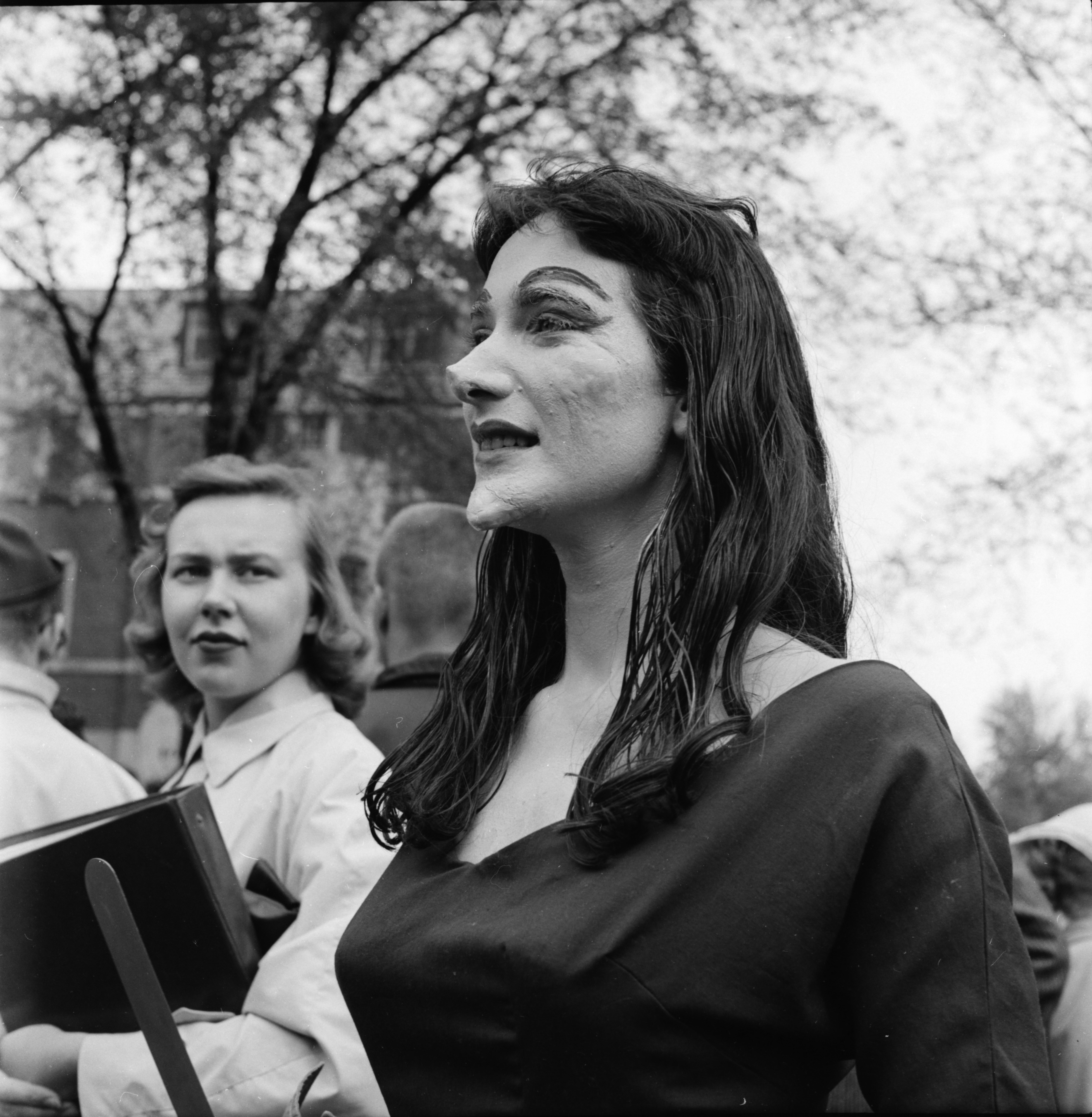"Vampira makes an appearance in University of Michigan ""Spring Weekend"" parade, May 1957 image"