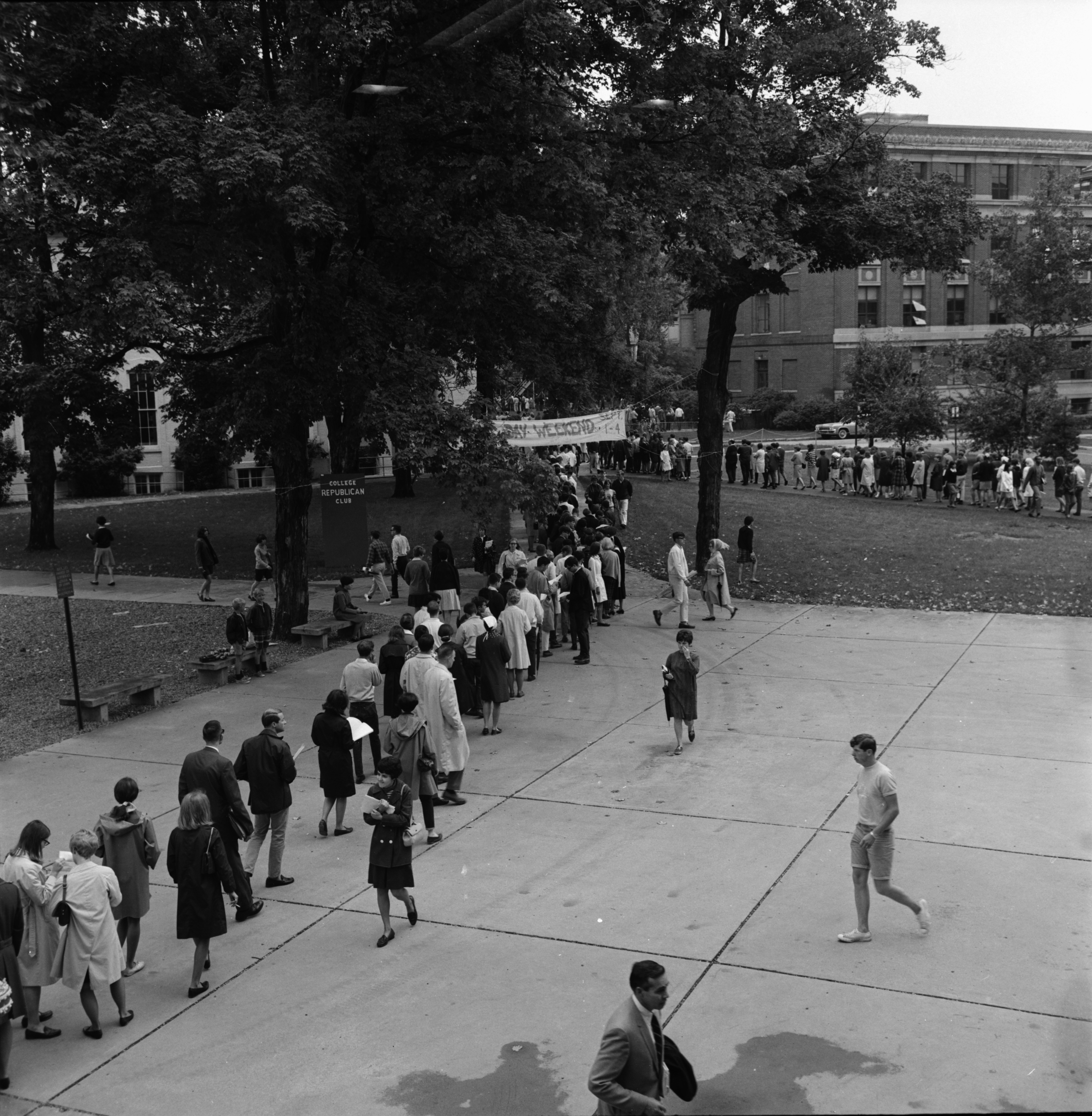 Long Registration Lines at the University of Michigan, August 1967 image