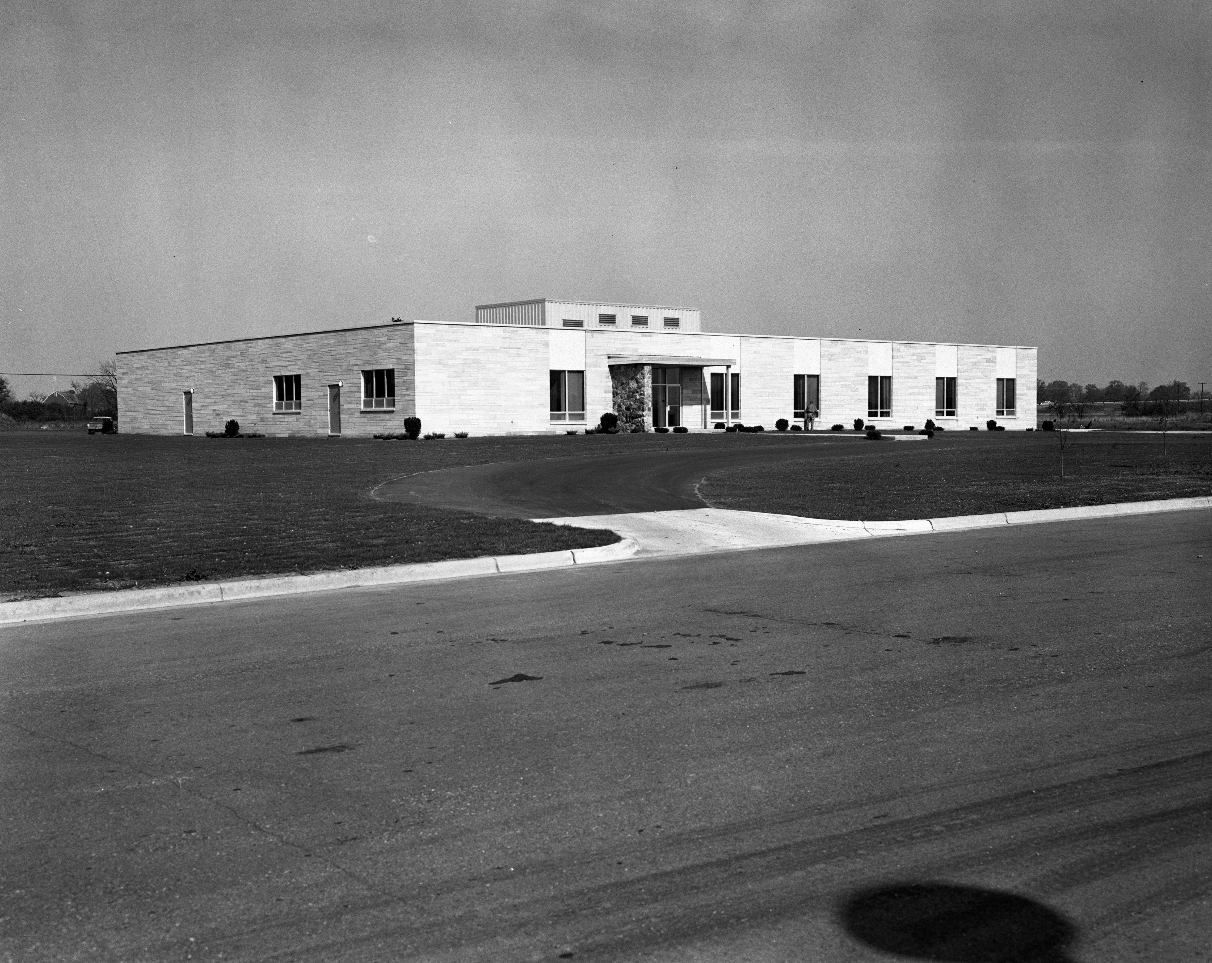 Tecumseh Products New Research Laboratory In Ann Arbor Research Park, October 1964 image