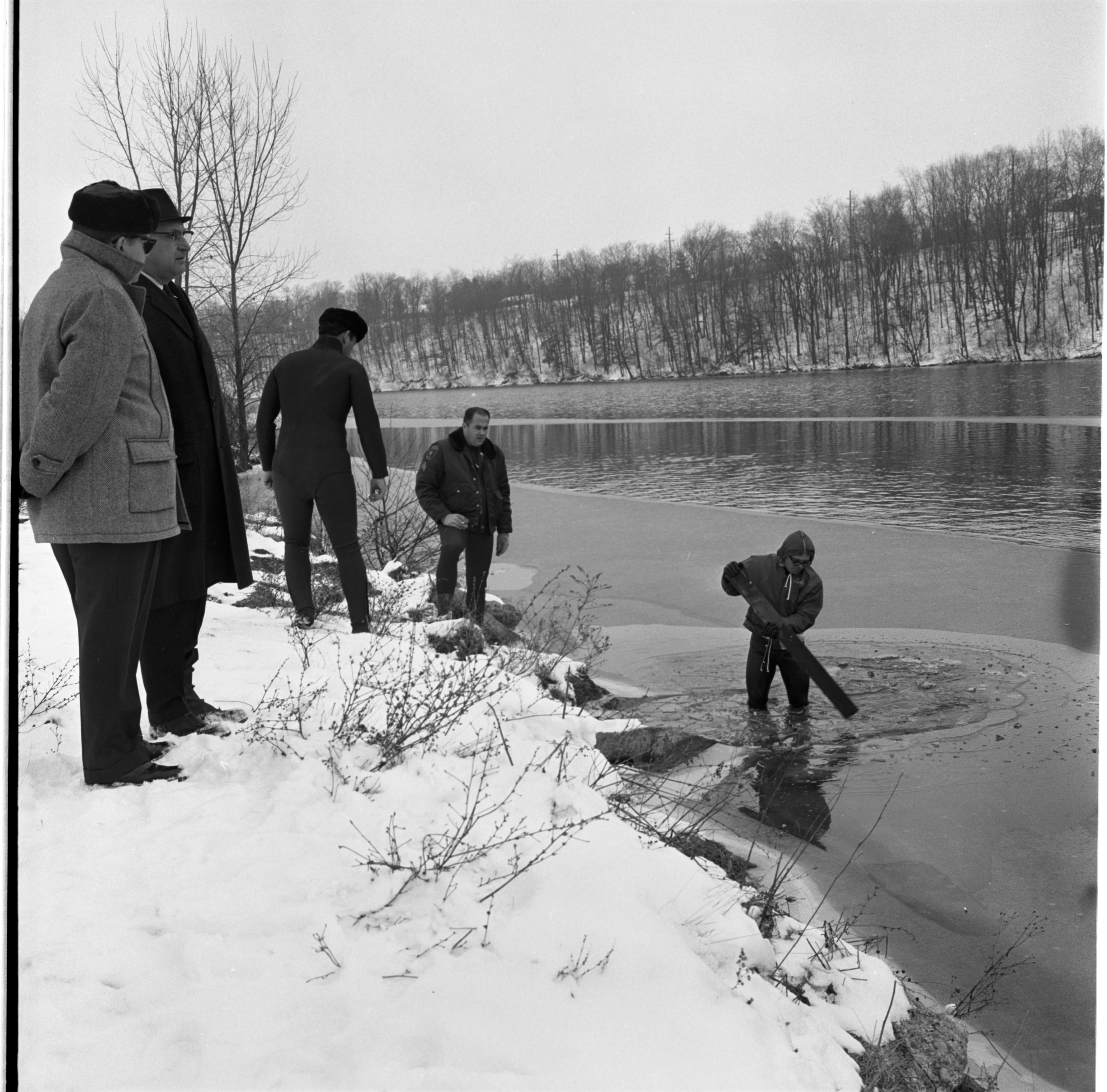 Washtenaw County Sheriff's Department Search Huron River For Body of LeRoy W. Johnson, December 1966 image