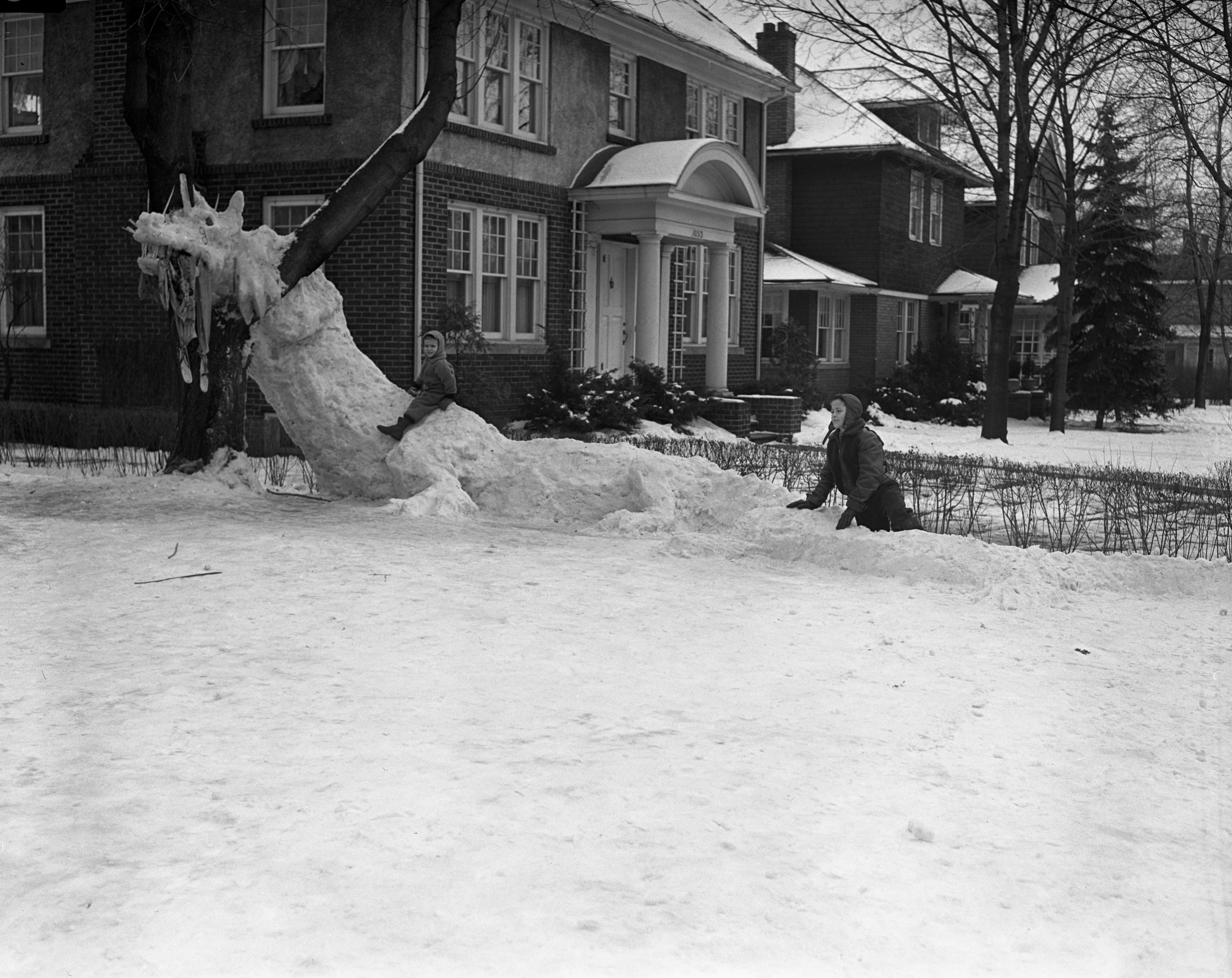 Snow Dragon in the yard of U-M professor and sculptor, Avard T. Fairbanks, February 1942 image