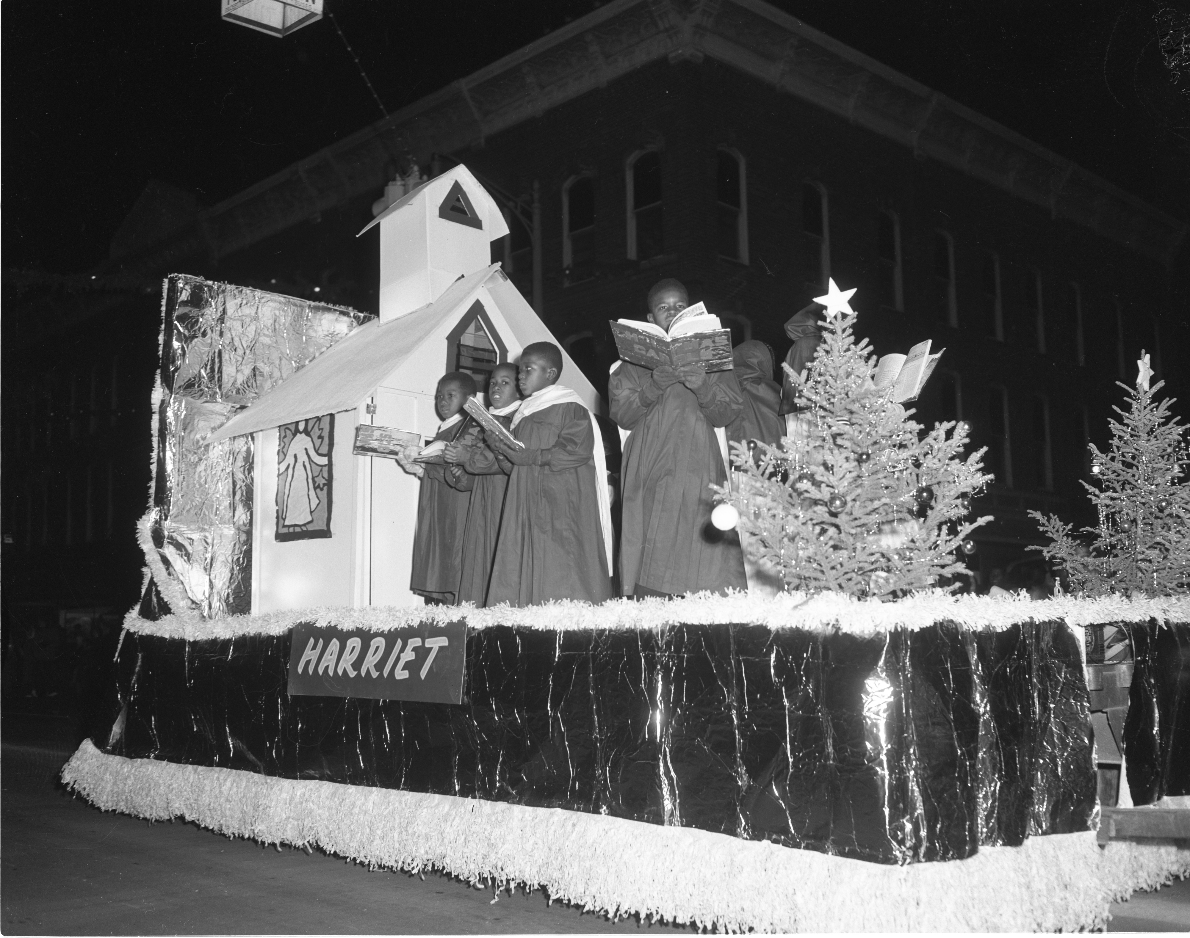 Ypsilanti Christmas Parade - Harriet Elementary School Float, December 1954 image