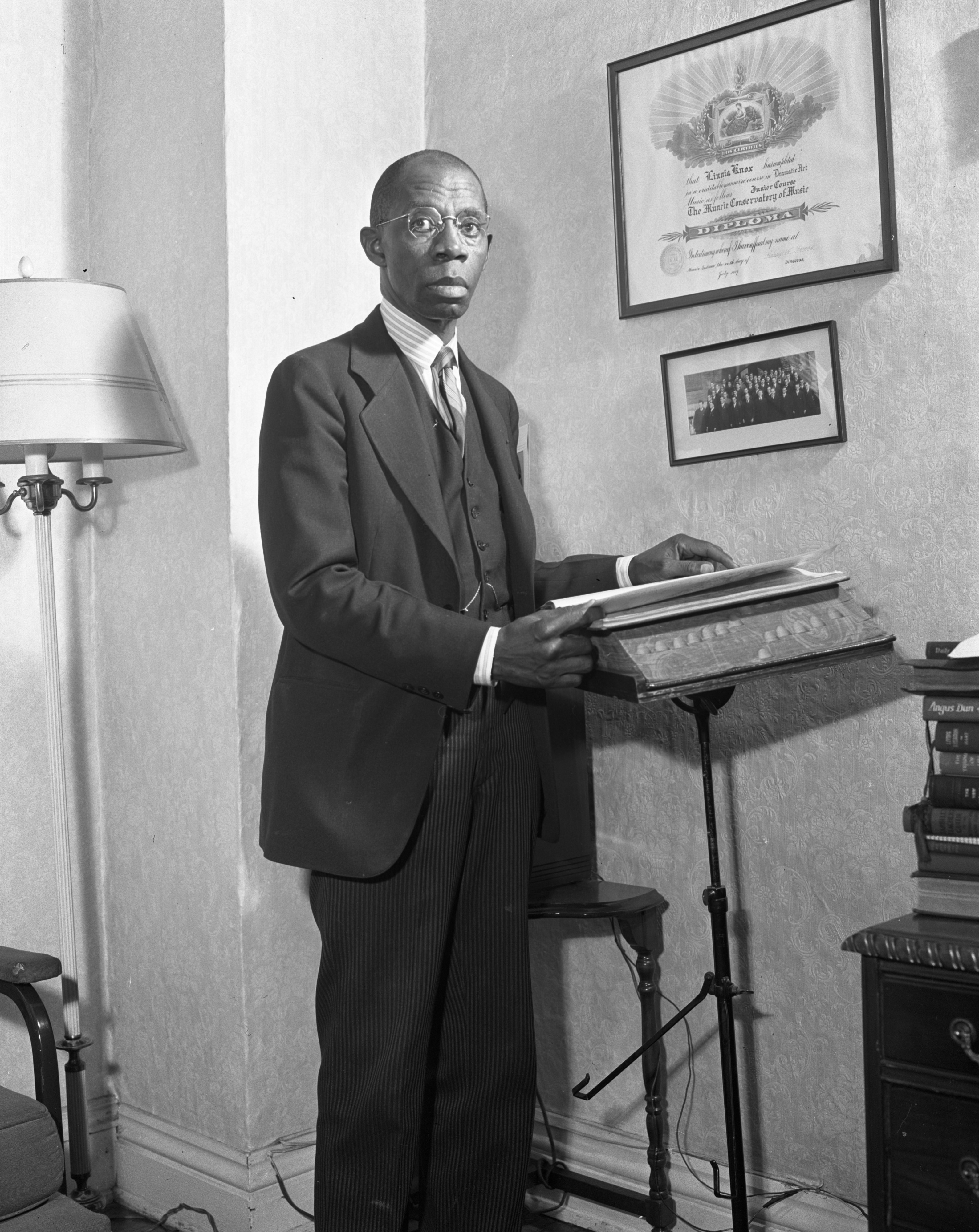 Rev. Charles W. Carpenter, 2nd Baptist Church, during the Fifth Bond Drive, June 1944 image