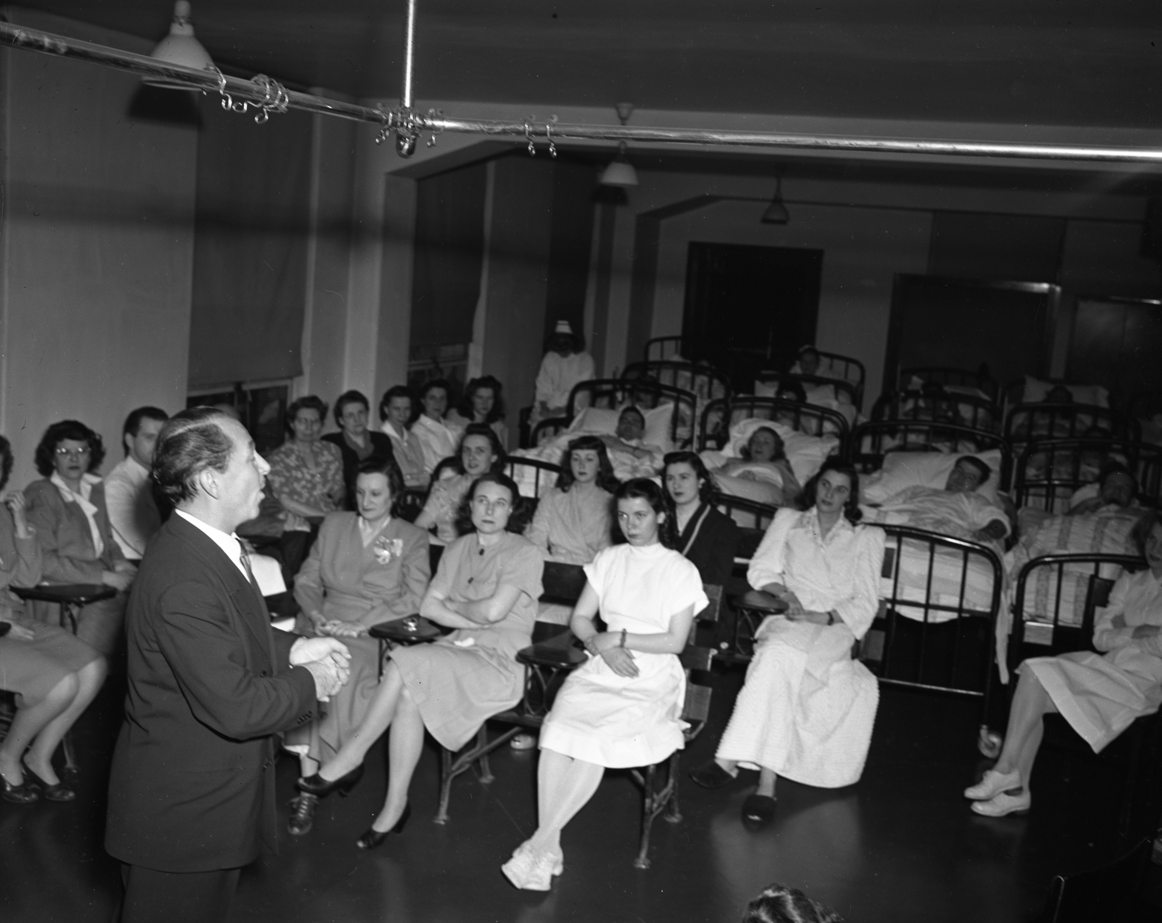 Fredrick Jagel, Metropolitan Opera Tenor, sings to University of Michigan TB patients, May 1947 image