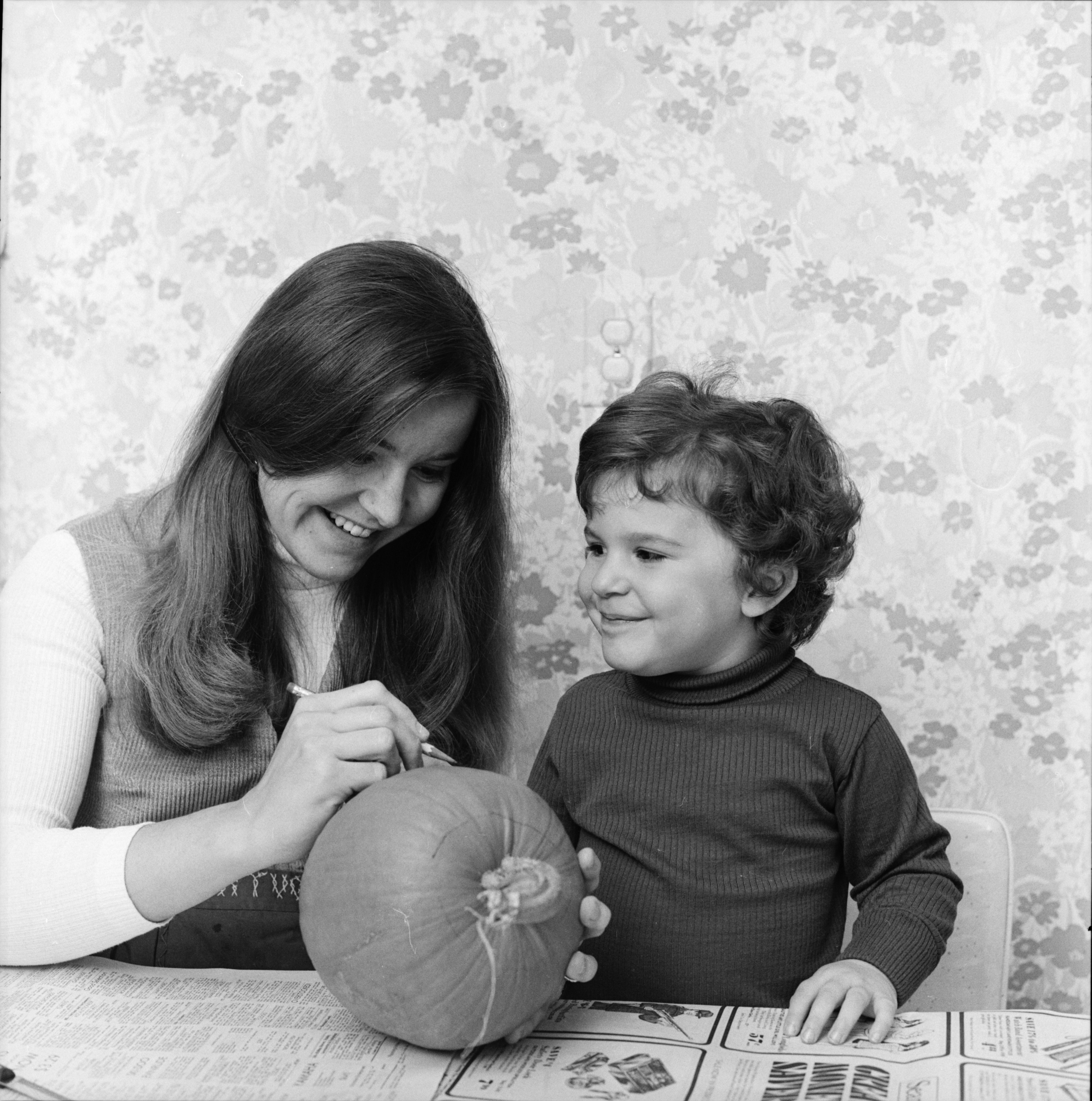 U-M Assistant Professor of Psychology Judy Reitman, with daughter Laurel, November 1973 image