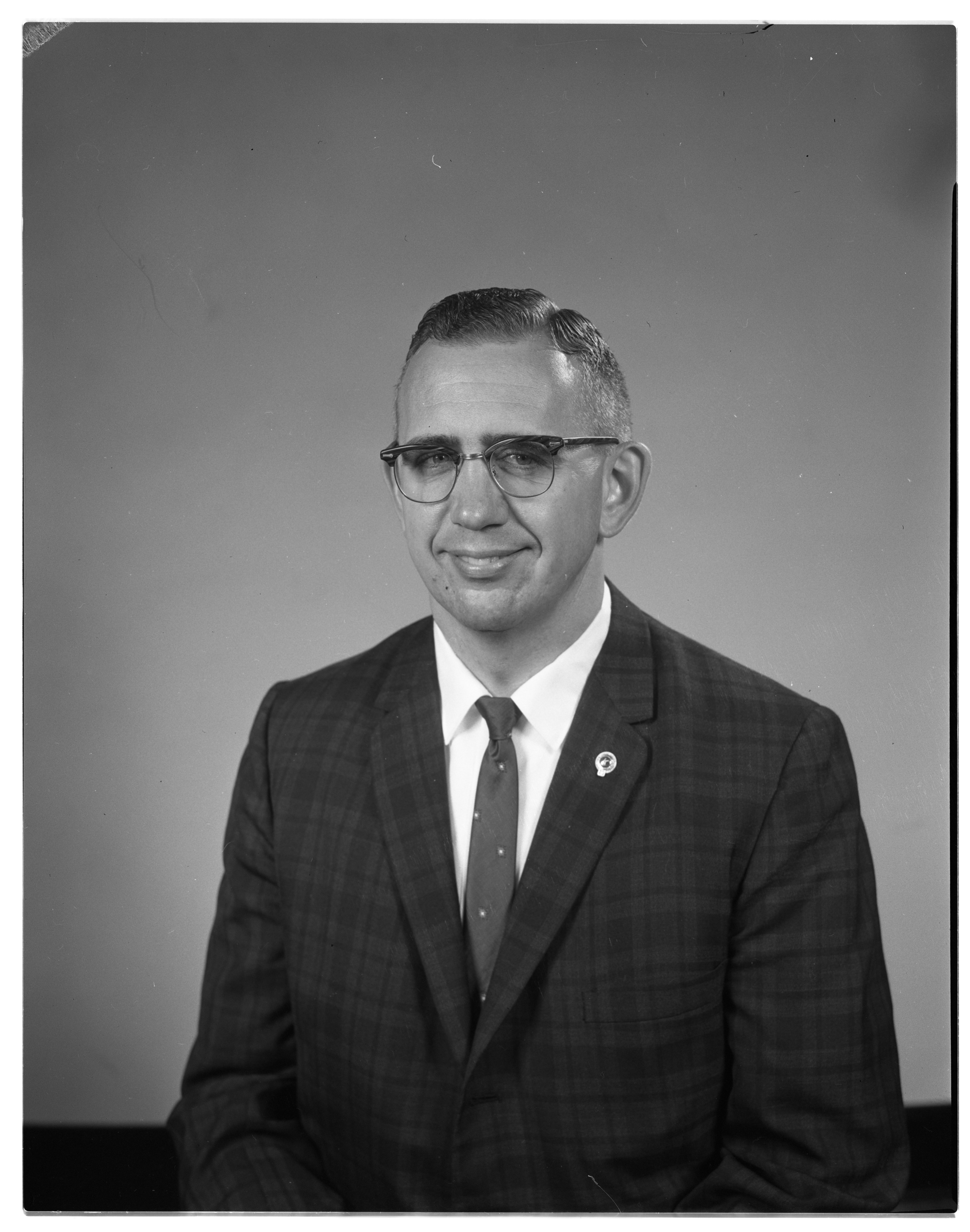 Fred E. Stein Elected President of Kiwanis Club of Ann Arbor, October 1962 image