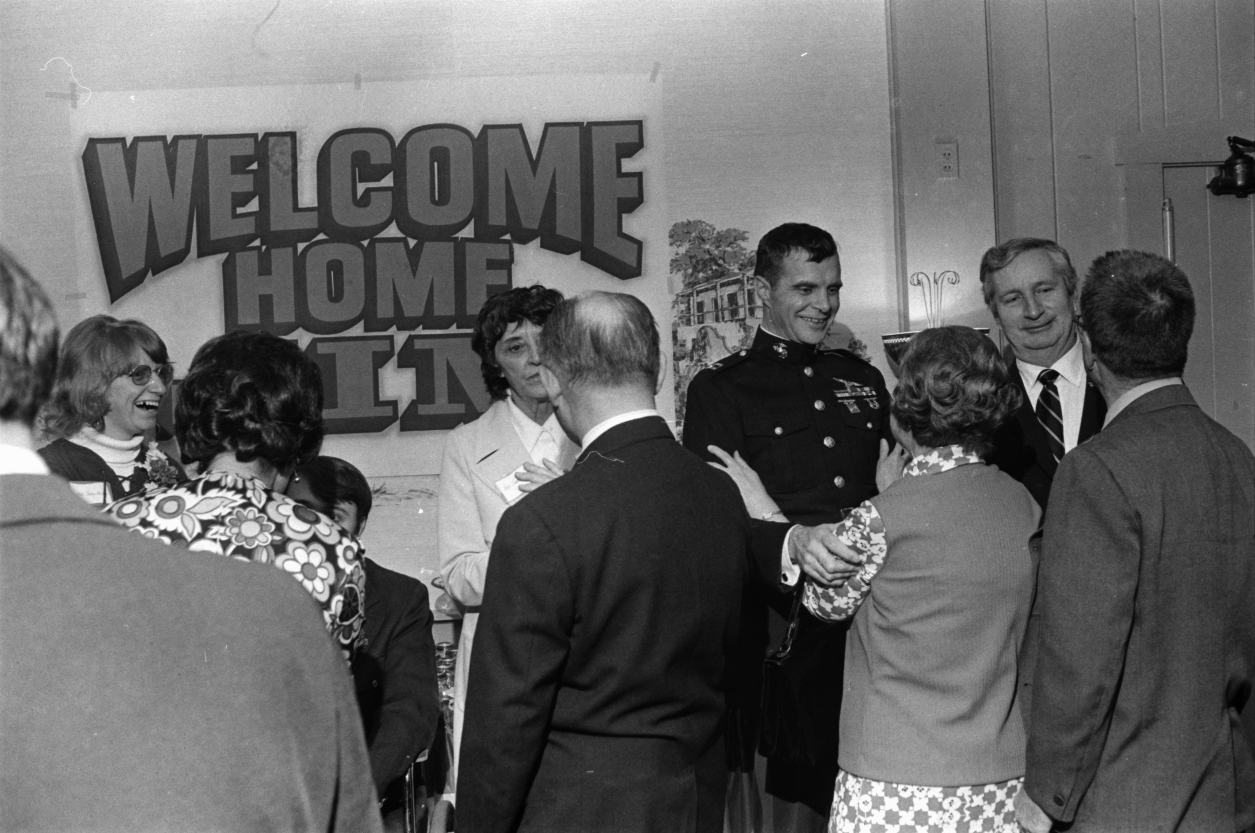 Capt. James Warner, former POW, following his arrival in Ypsilanti, April 1973 image