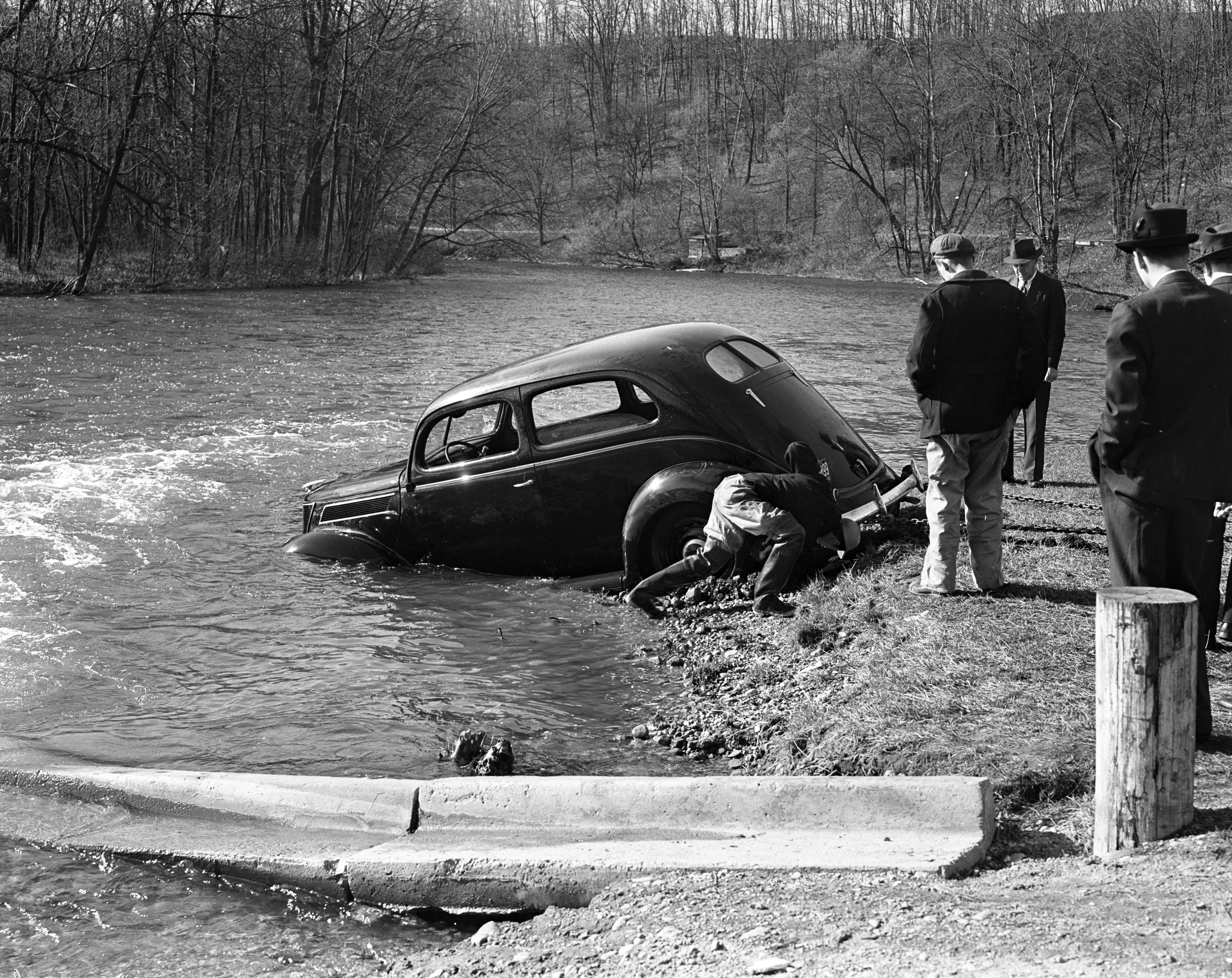 Image from Car Lands In Huron River, 1939