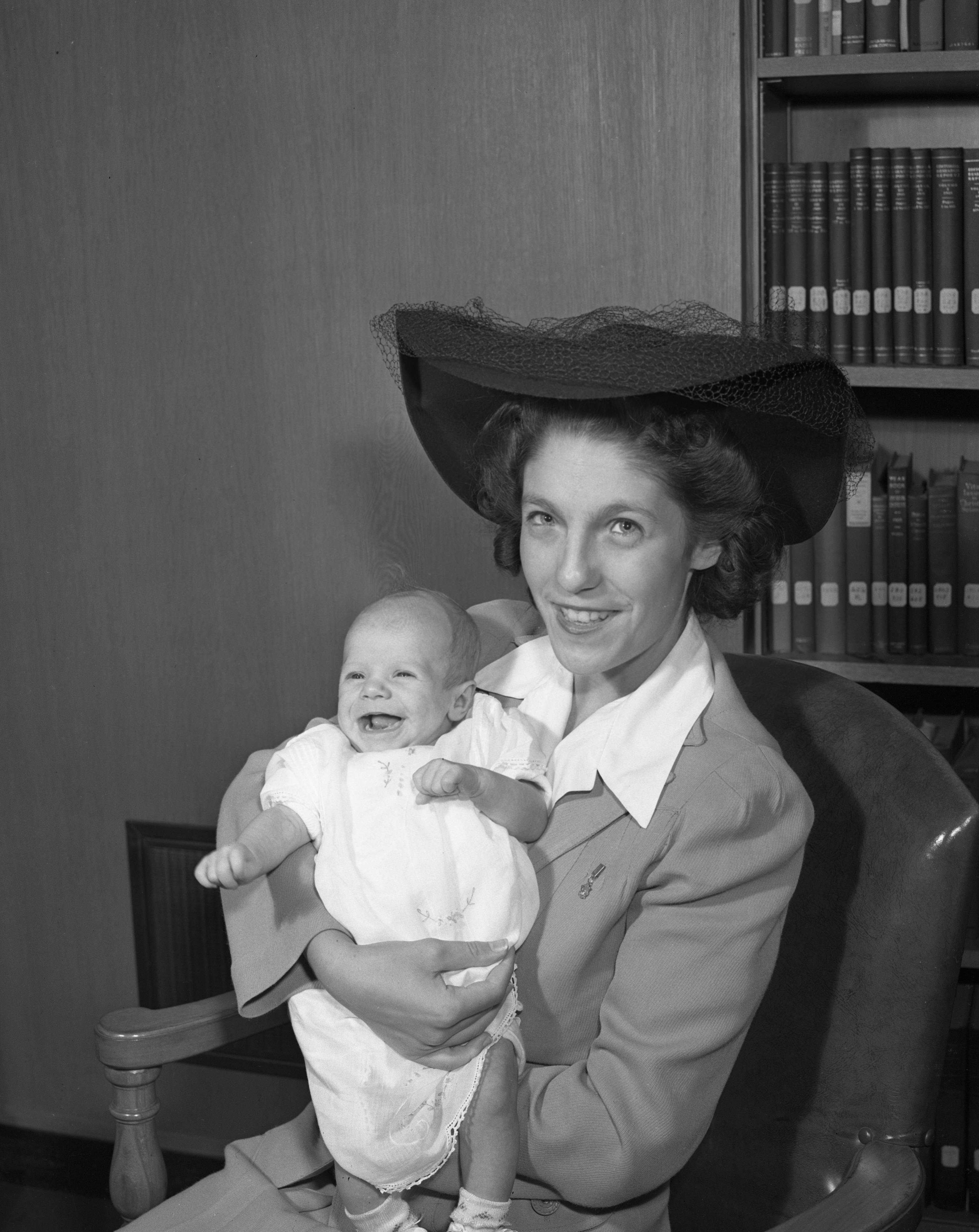 Betty Jane Bell (Mrs. Merton T. Bell) and baby Judy Lee, August 1943 image