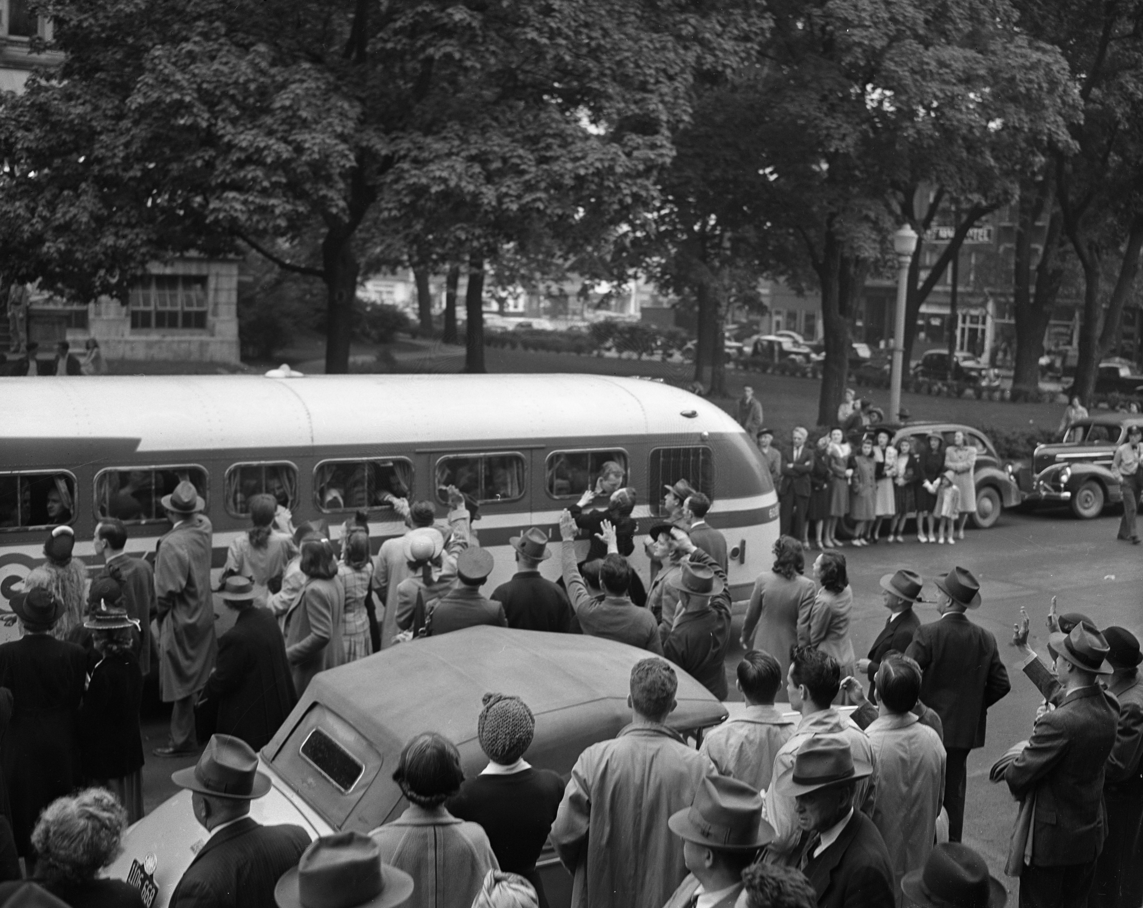 Ann Arbor draftees leave for selective service at Courthouse Square, May 13, 1942 image