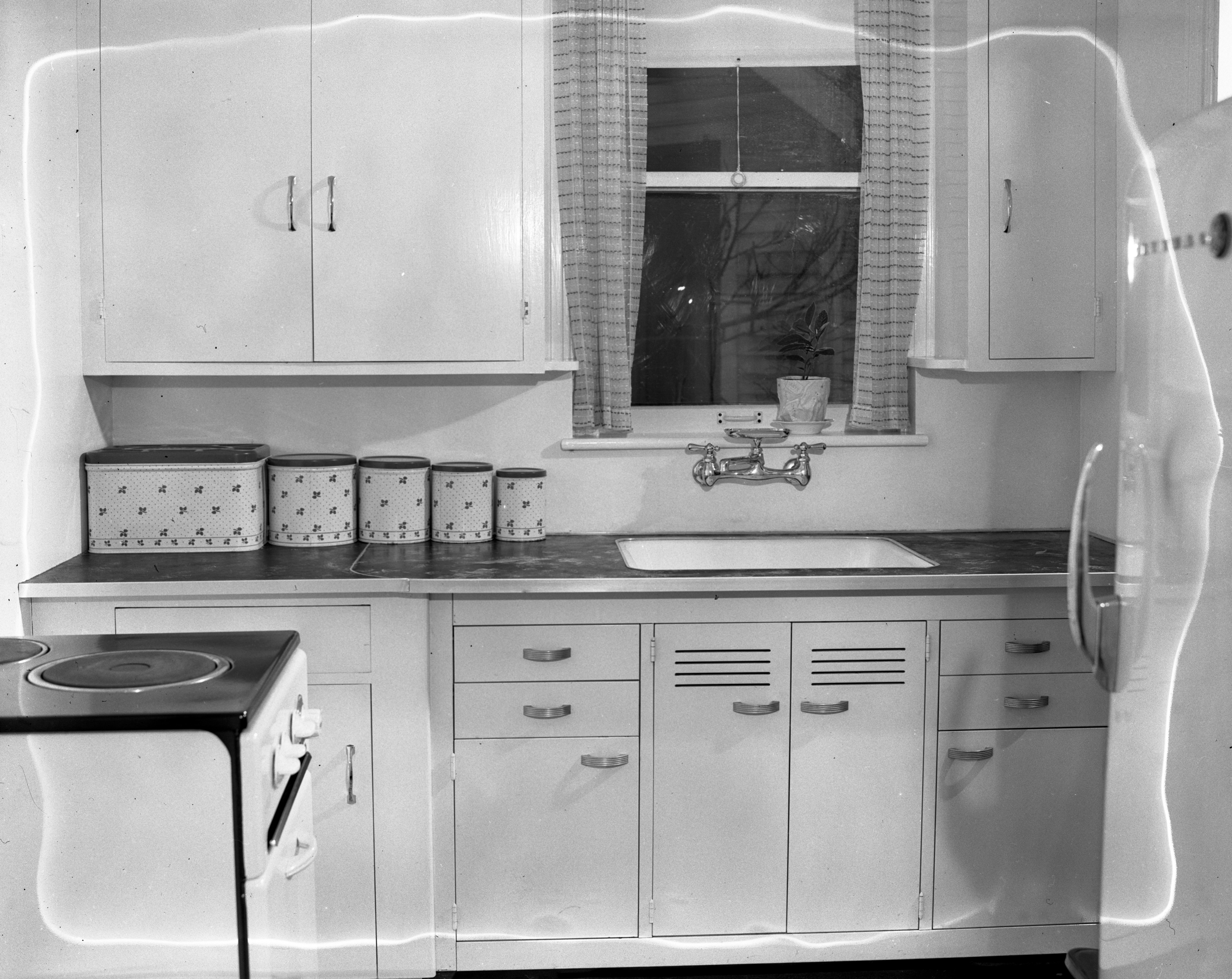 Kitchen in the 5th Ward Voting Building, home for a WWII veteran, November 1946 image