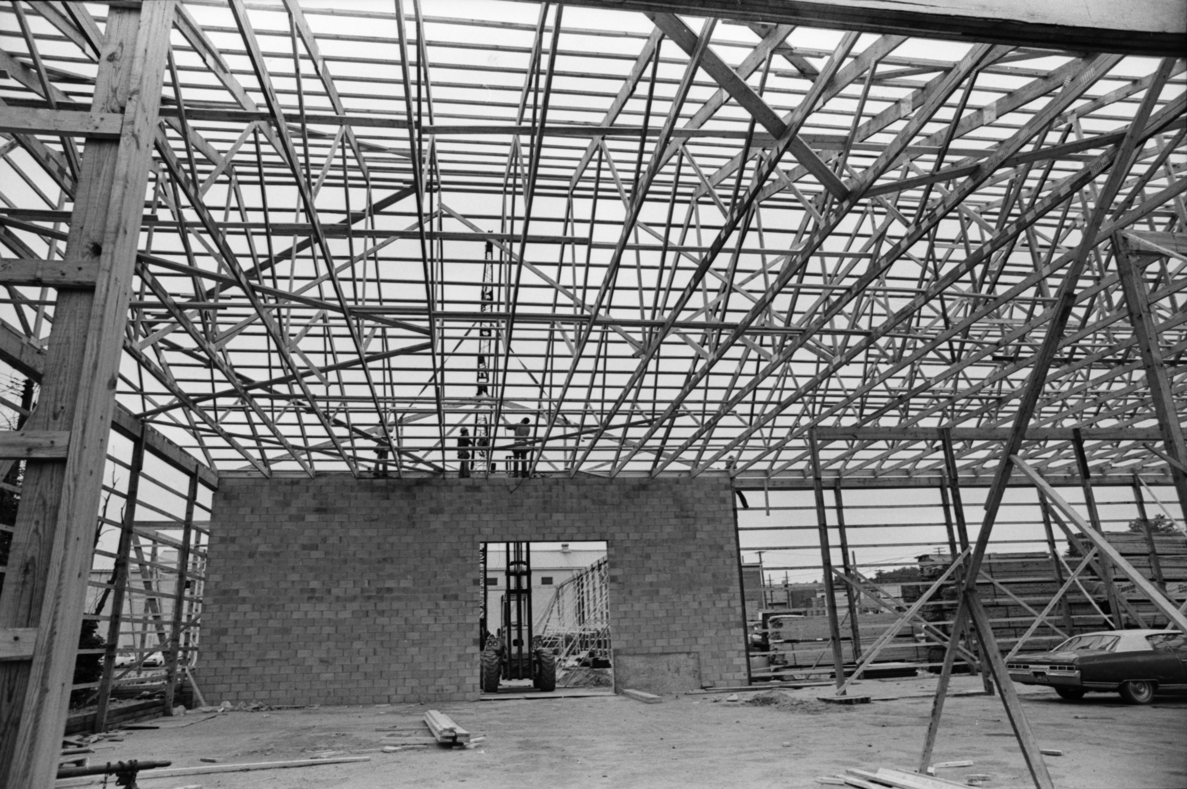 Construction Of Fingerle Lumber Company's New Storage Building, October 1977	 image