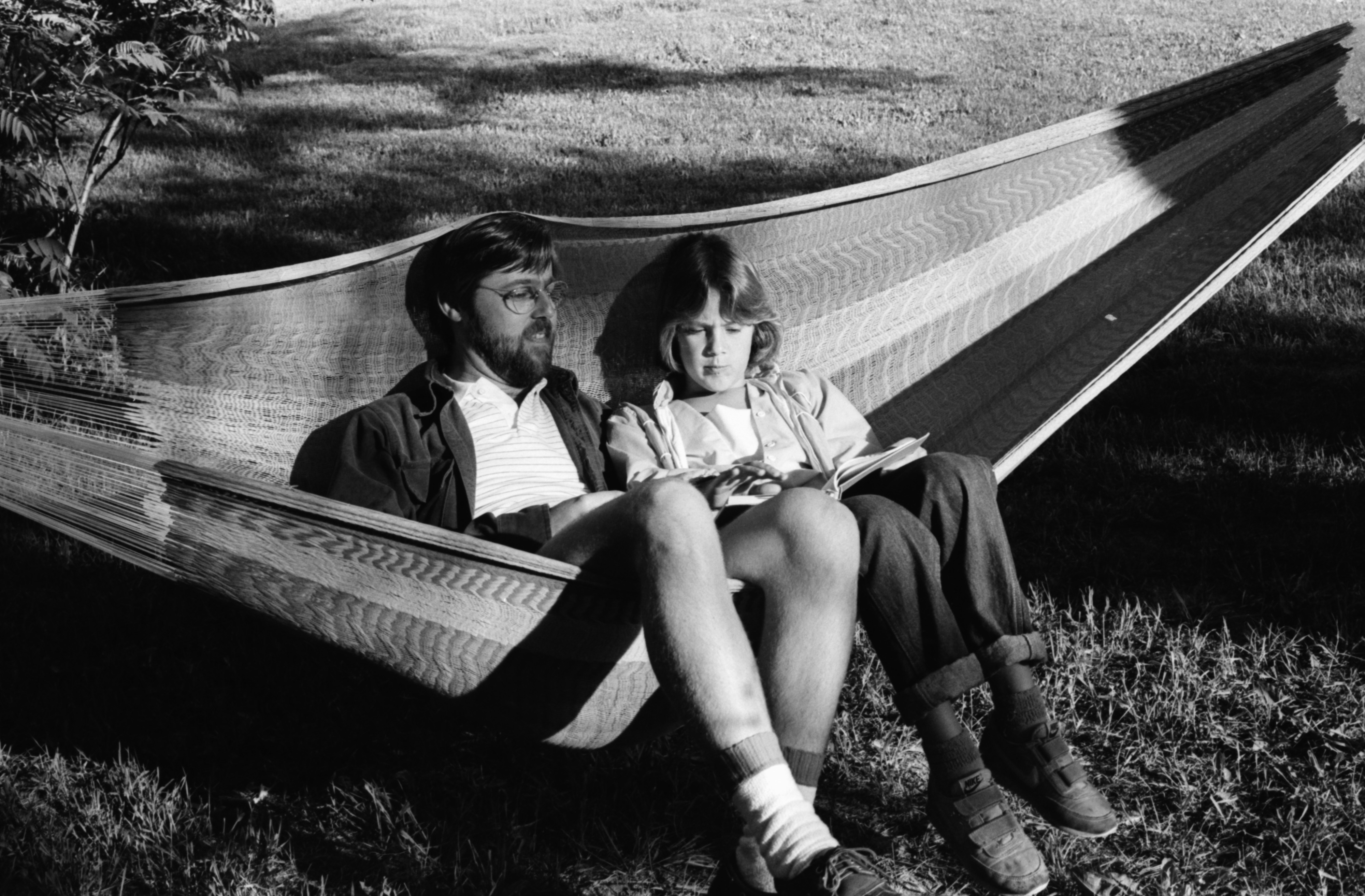 Chris Lane with daughter Robin, June 1984 image