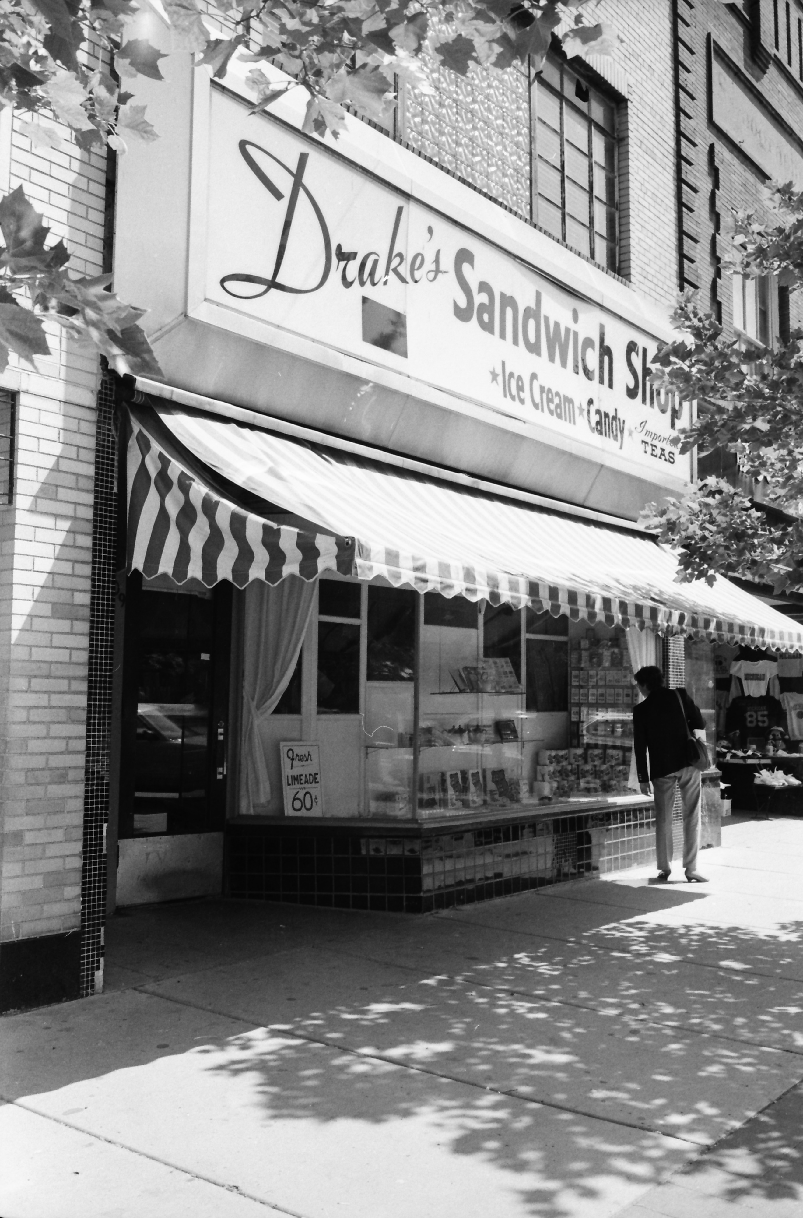 Drake's Sandwich Shop, September 1965 image