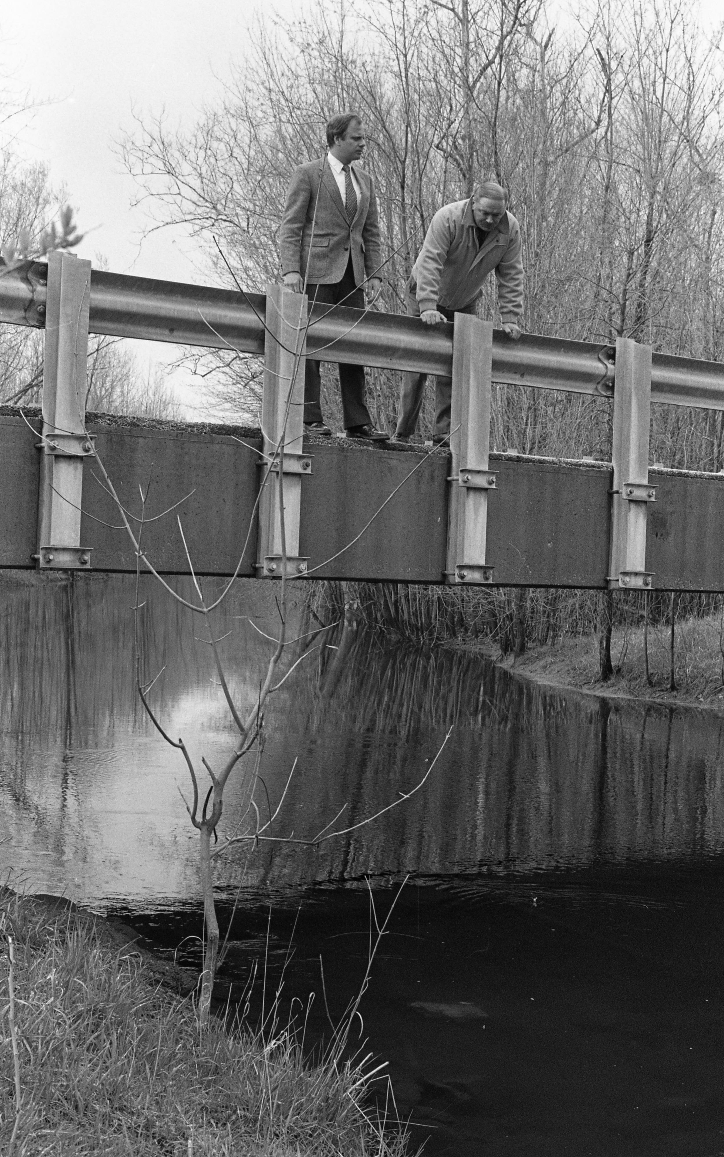 Sheriff's Detectives Paul Wade & William Eskridge On Sharon Valley Road Bridge, May 1988 image
