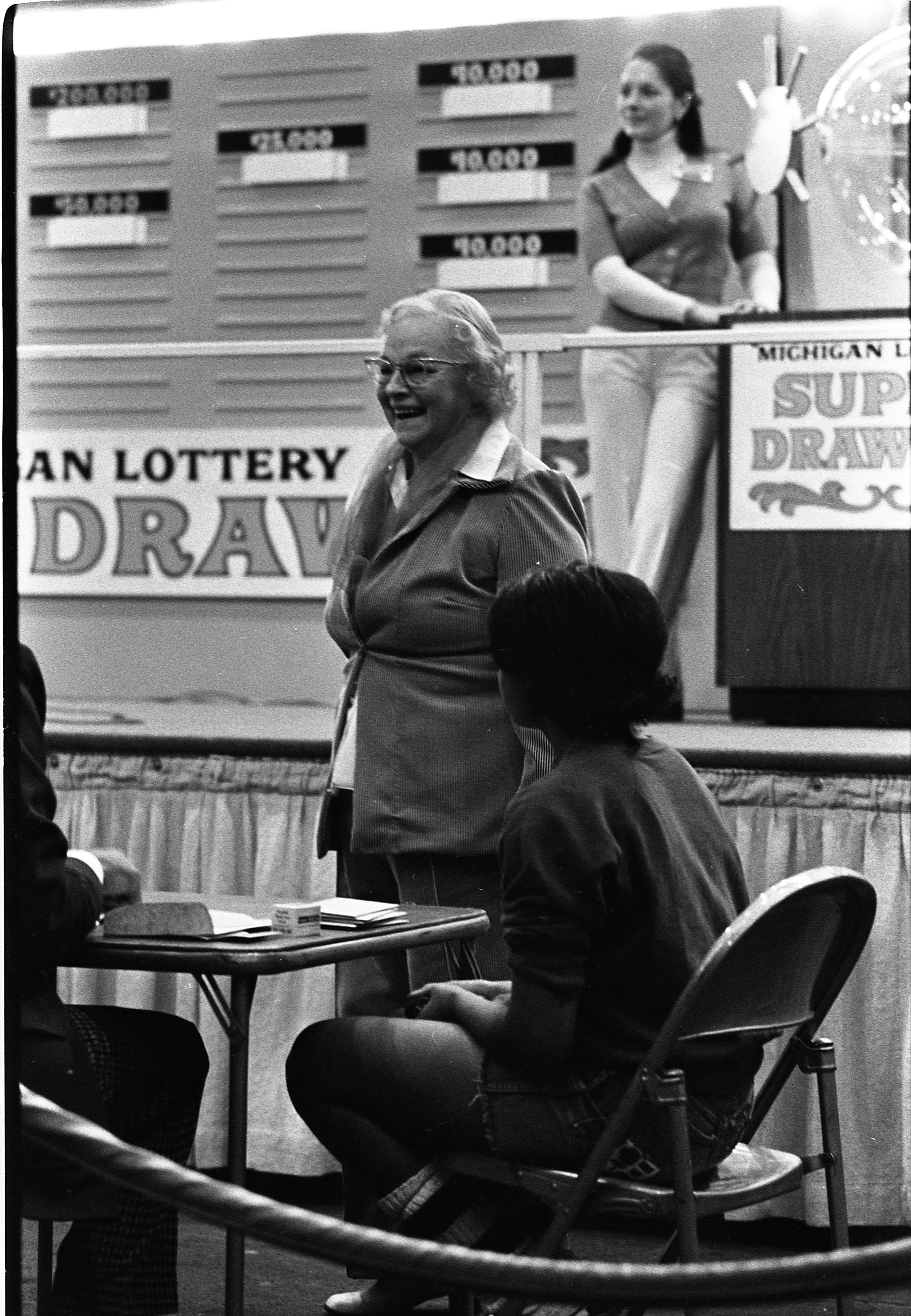 Katherine Gerstler Signs Up For Lottery Superdraw At Eastern Michigan University, December 13, 1974 image