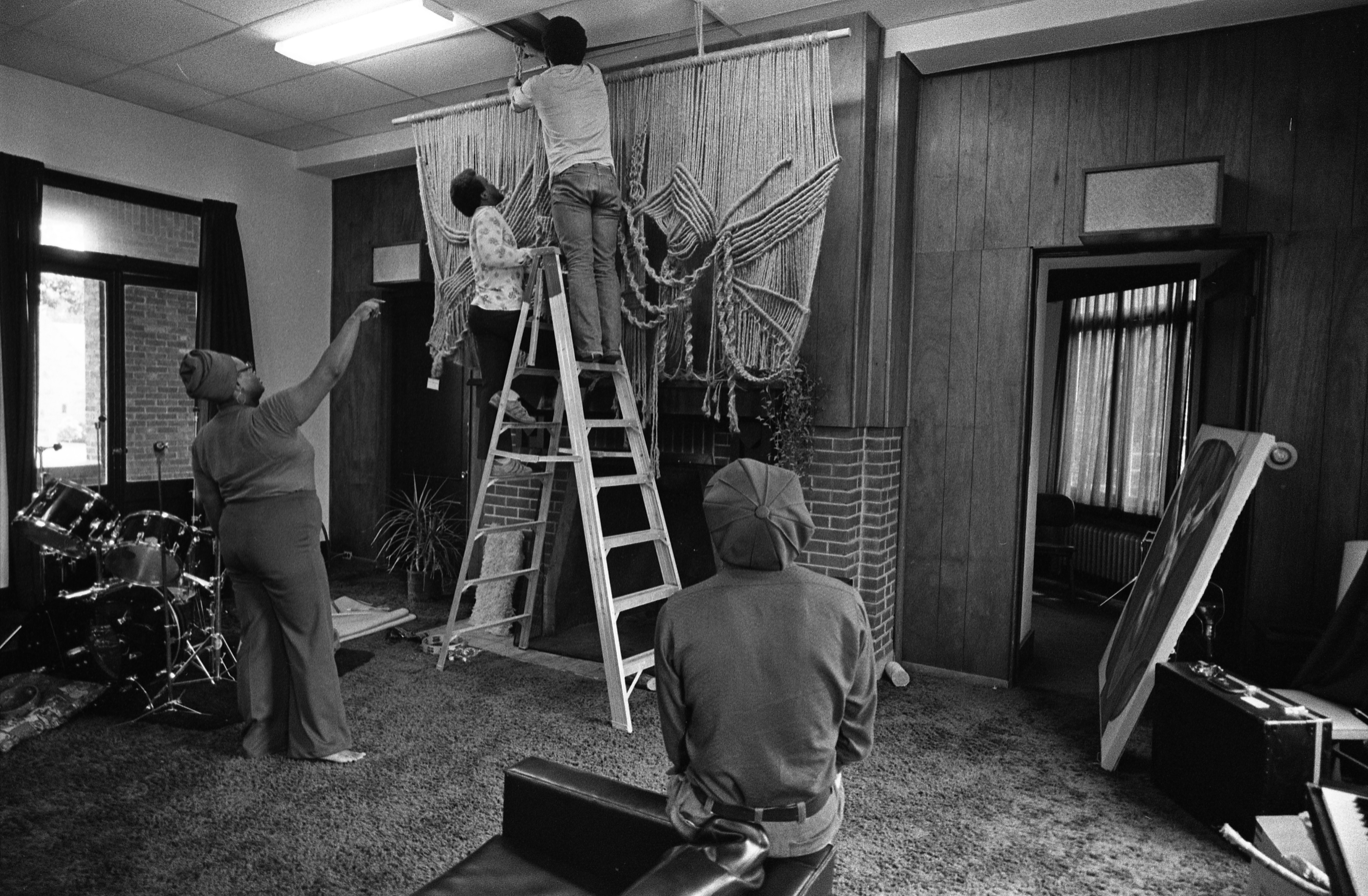Students Decorate The Trotter House, September 10, 1975 image