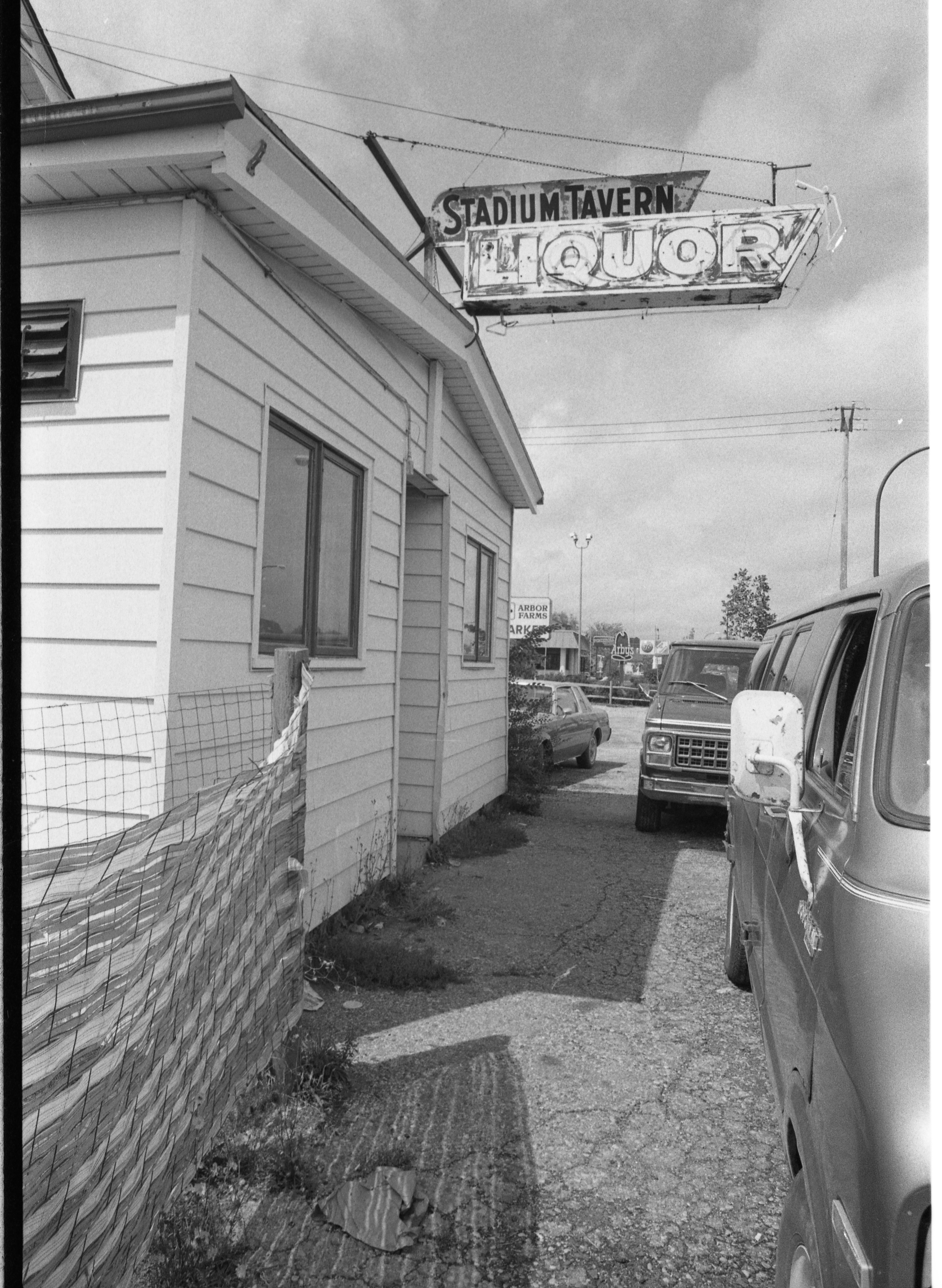 Familiar Sign Going Away as Stadium Tavern Closes Down, September 1985 image