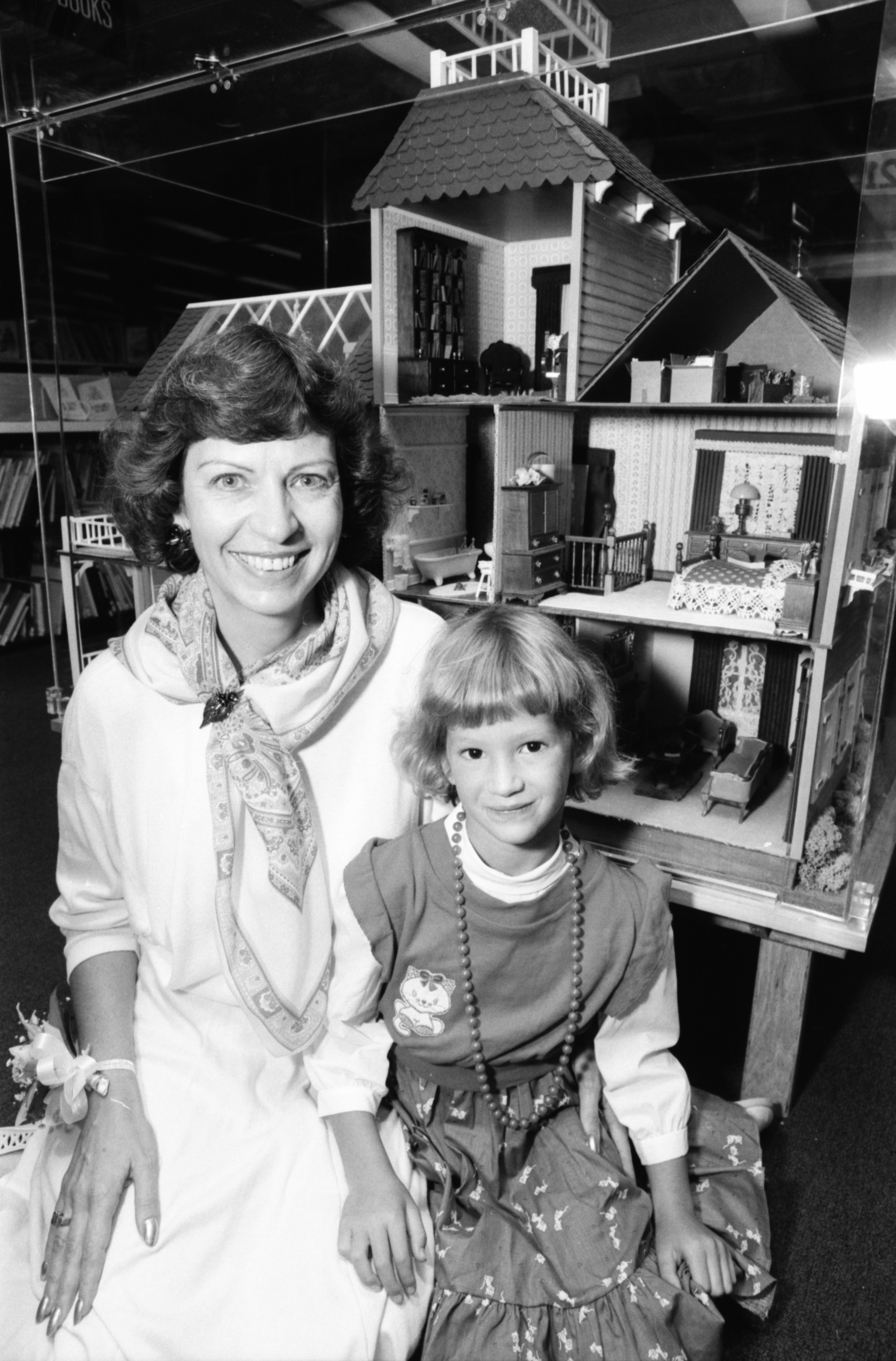Kindergarten Teacher Barbara White Has Donated Doll House to Ann Arbor Public Library, August 1987 image