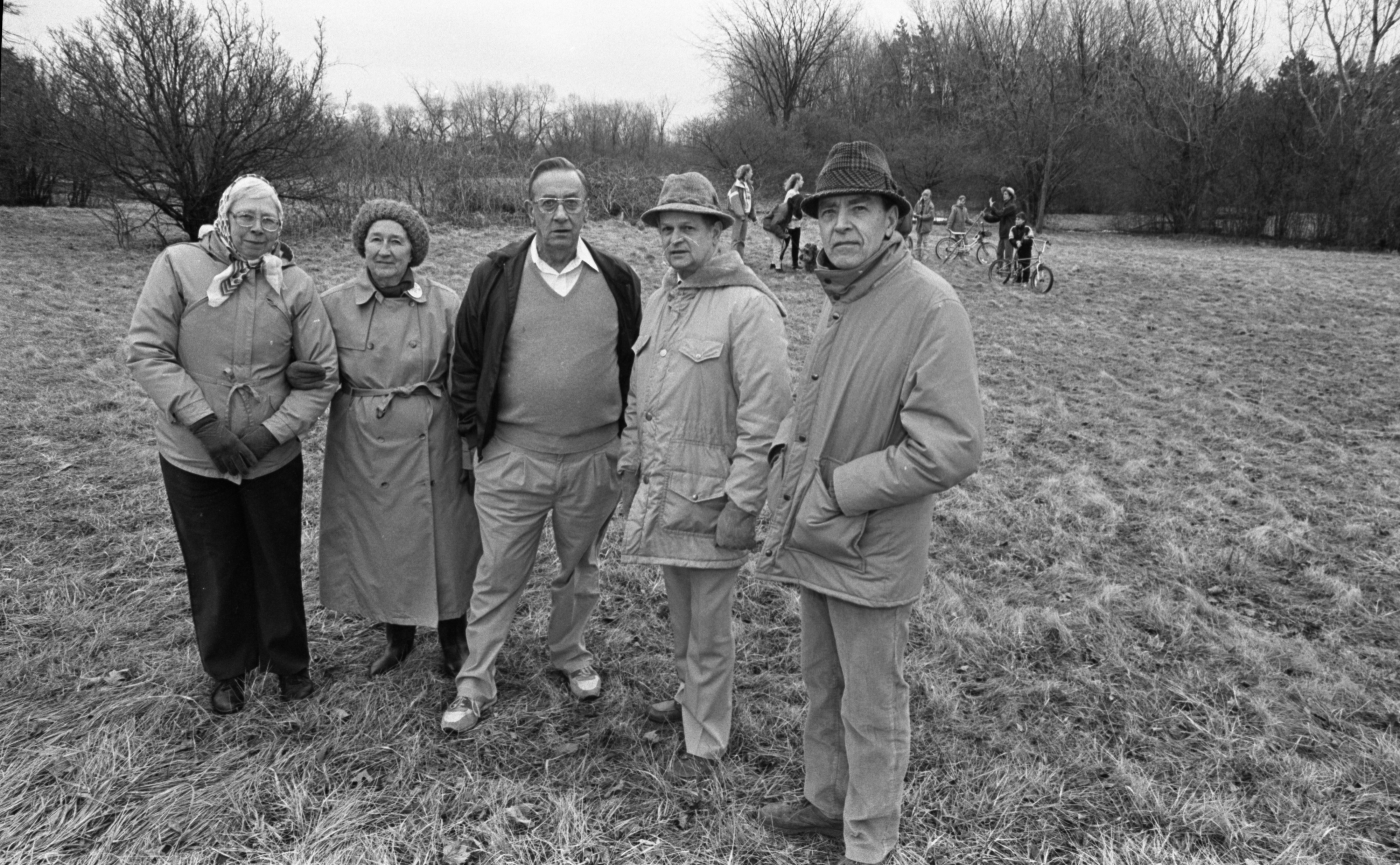 Senior citizens opposed to development on Greenview-Pioneer nature area site, March 1991 image