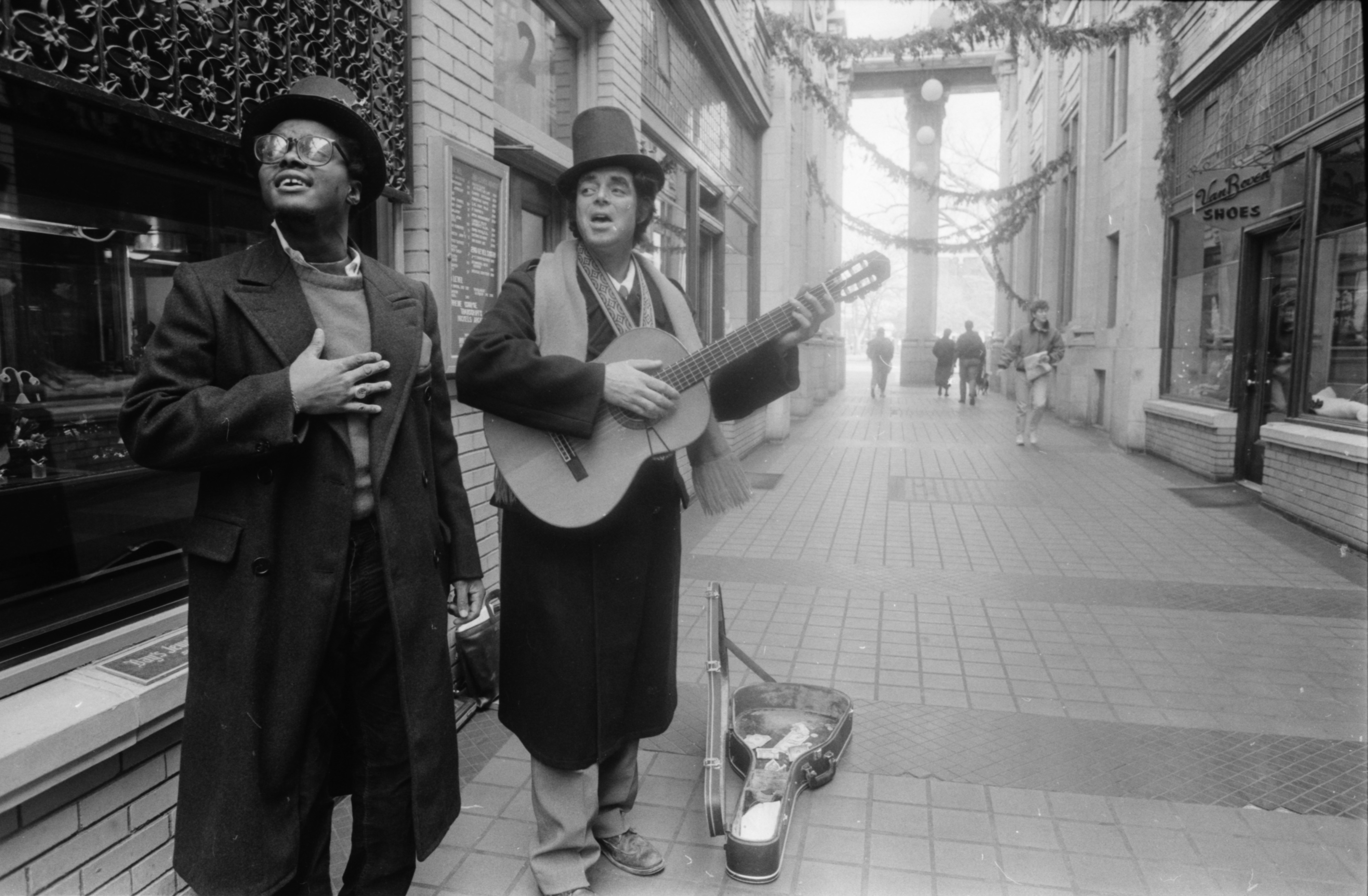 Seasonal Serenade Greets Shoppers In Nickels Arcade, December 1990 image
