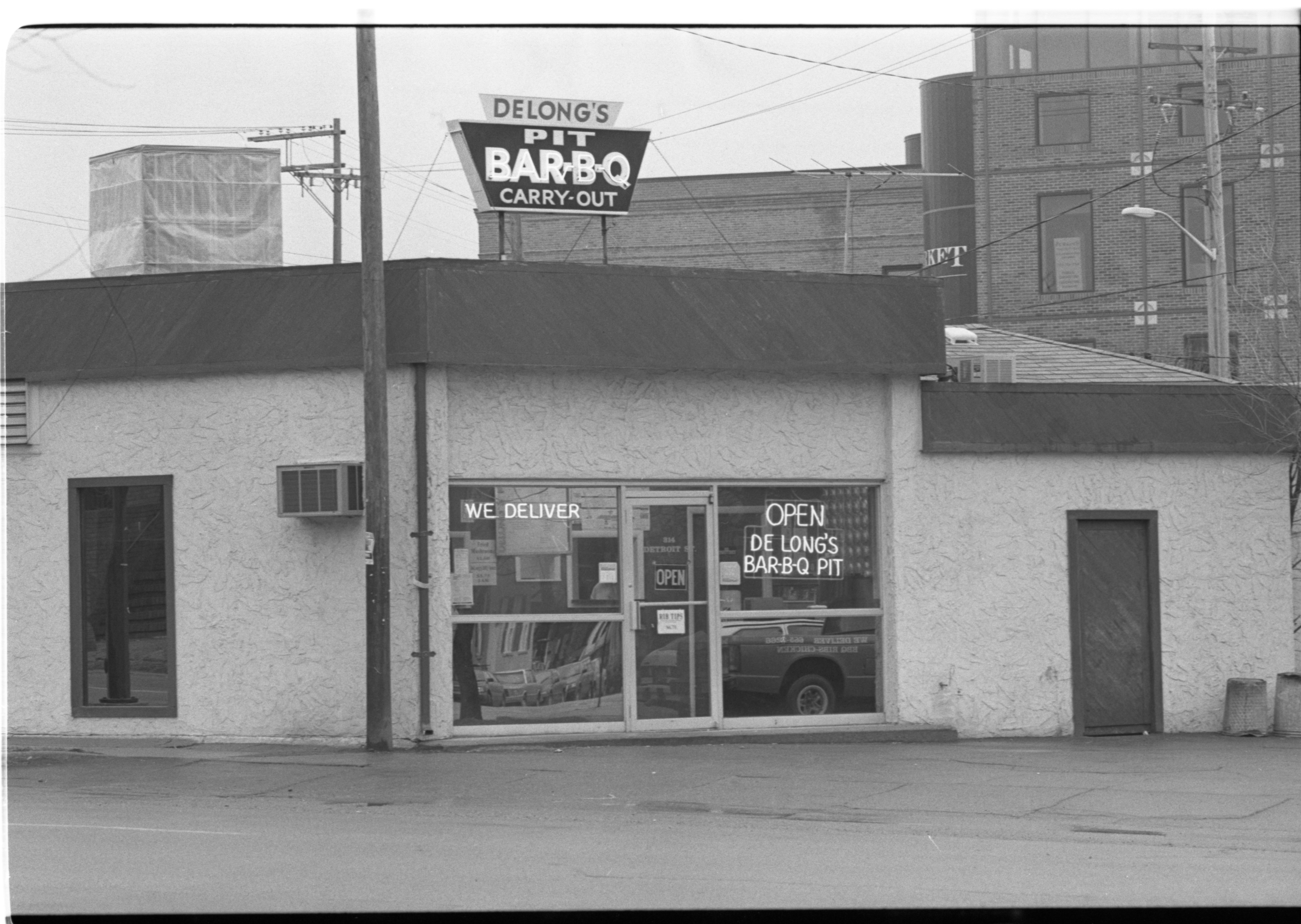 DeLong's Bar-B-Q Pit, February 1992 image