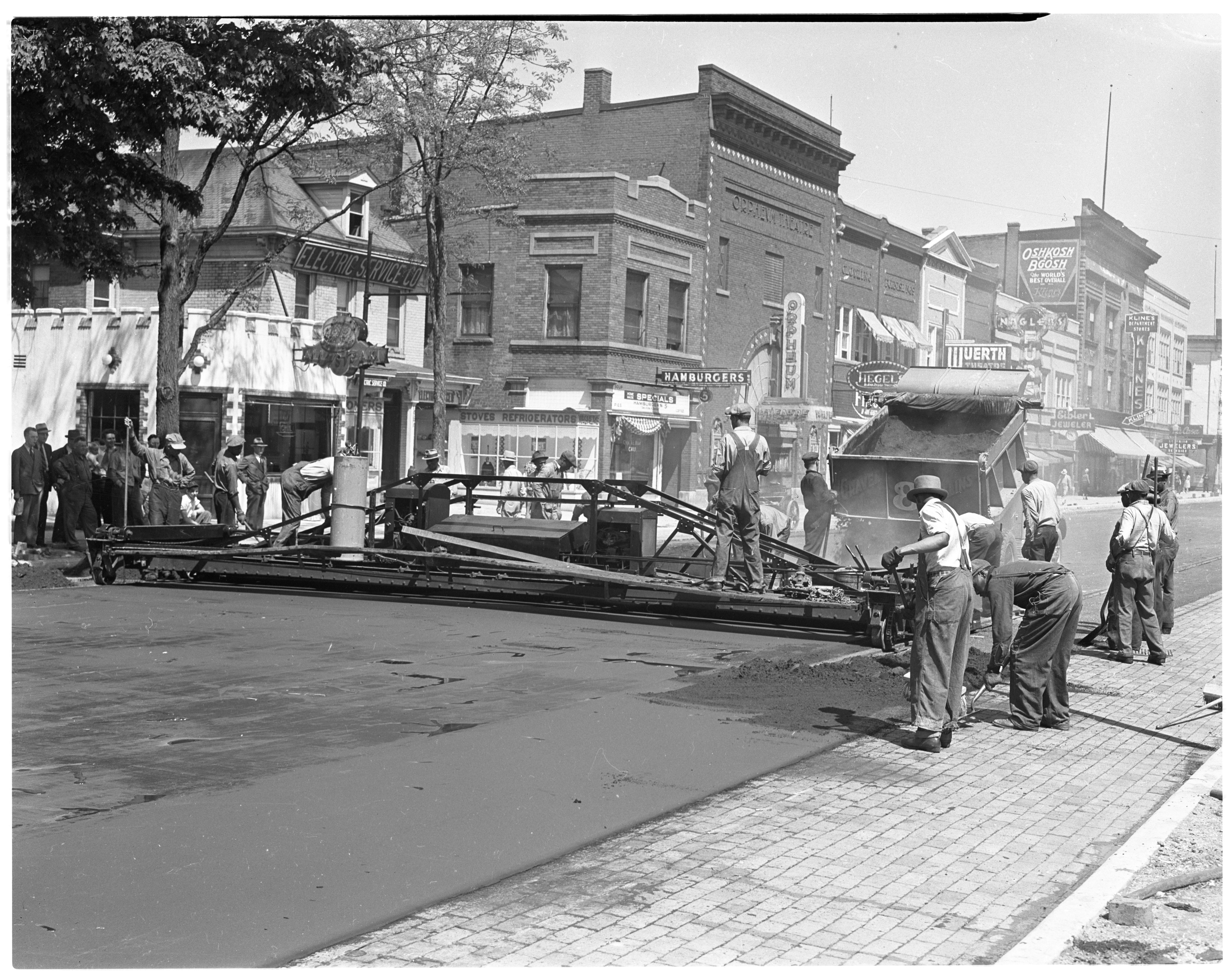 Laying asphalt on Main Street, May 1939 image