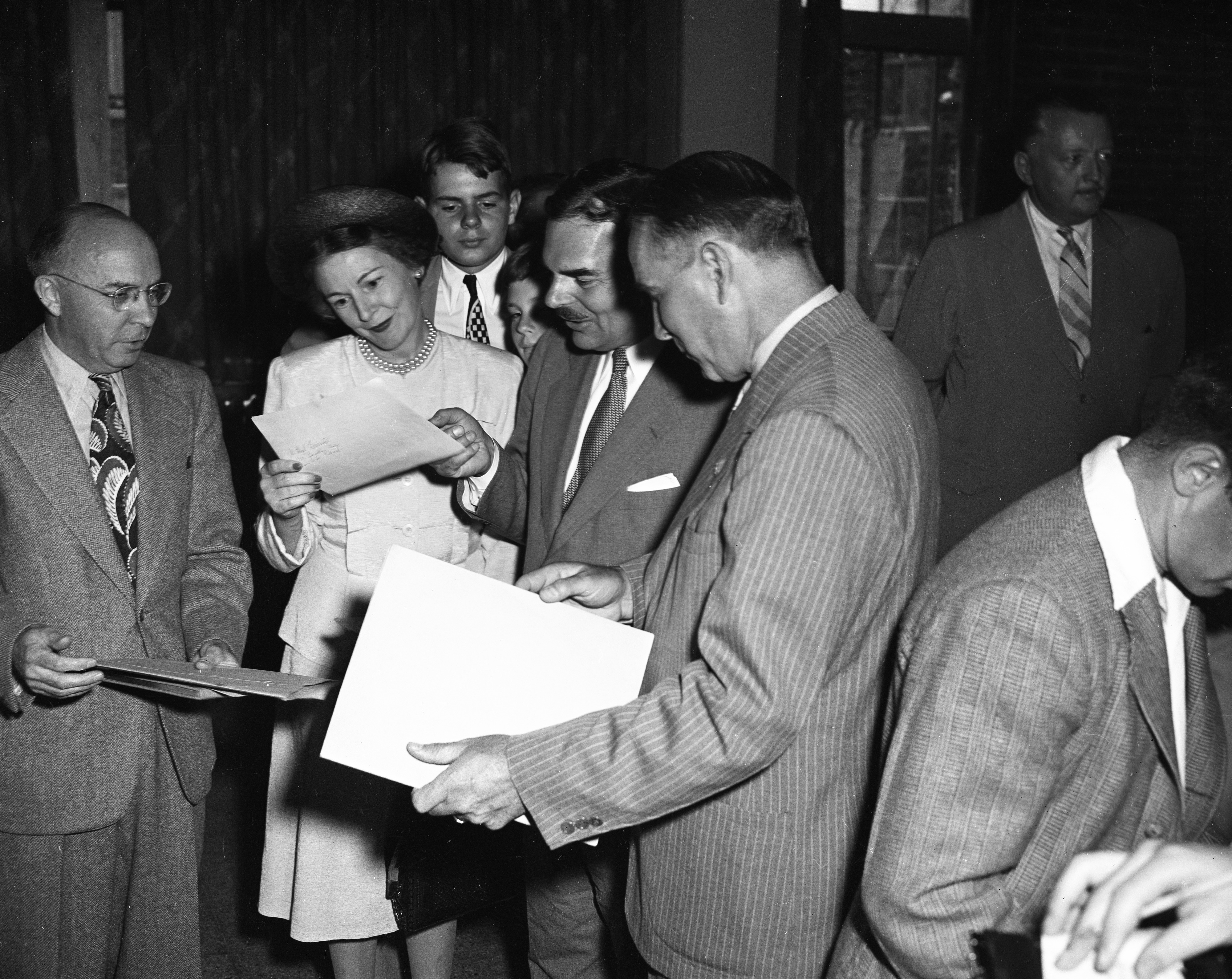 Gov. Thomas E. Dewey and Frances Hutt Dewey Visit University of Michigan Campus, July 1947 image