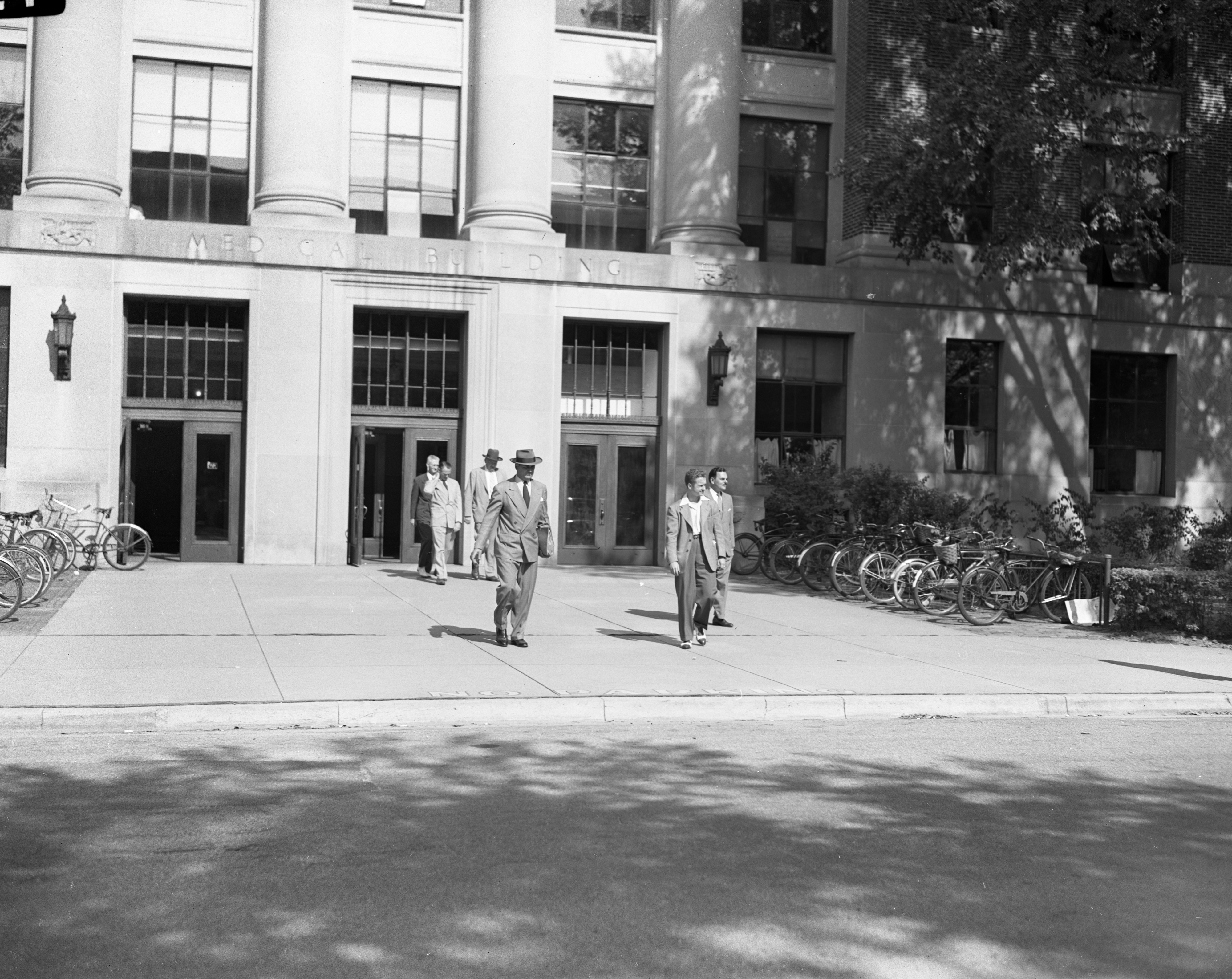 Gov. Thomas E. Dewey's Tour of University of Michigan Includes Medical Building, July 1947 image