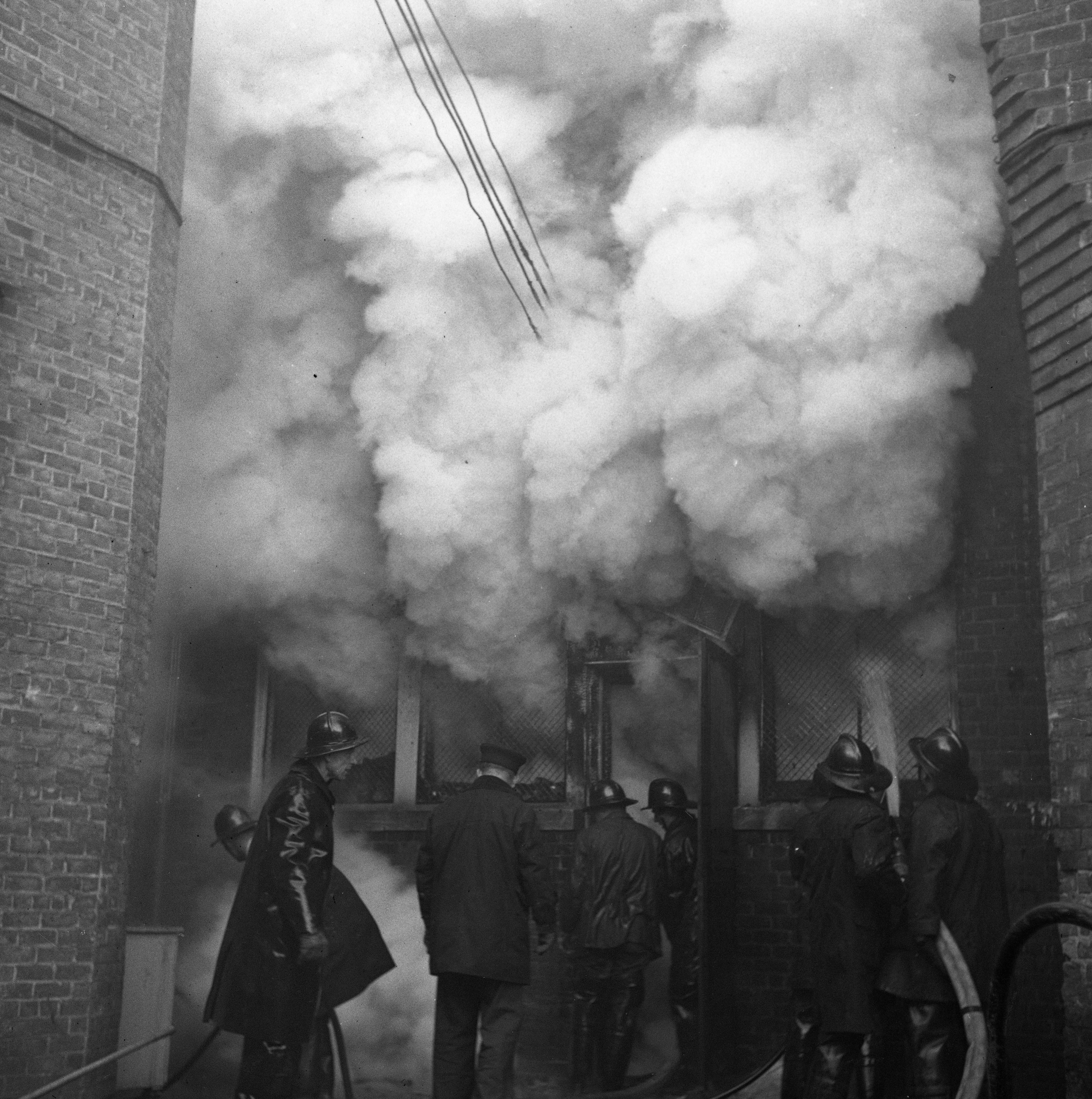 Smoke Engulfs S. State St. During Wild & Co. Fire, December 1947 image