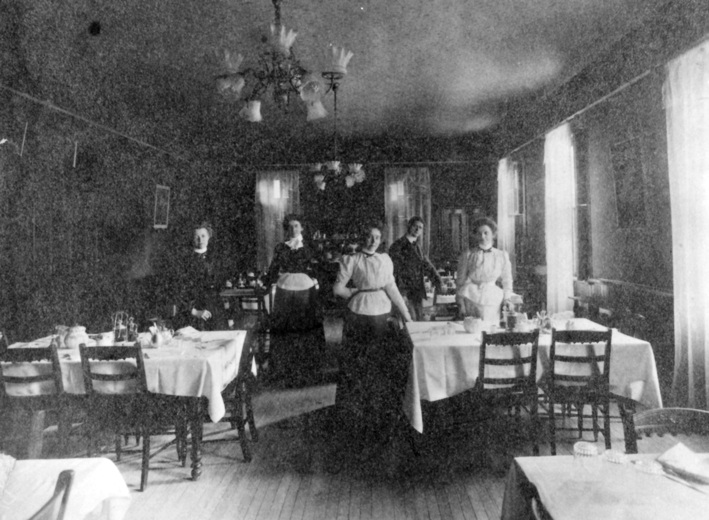 American Hotel dining room image