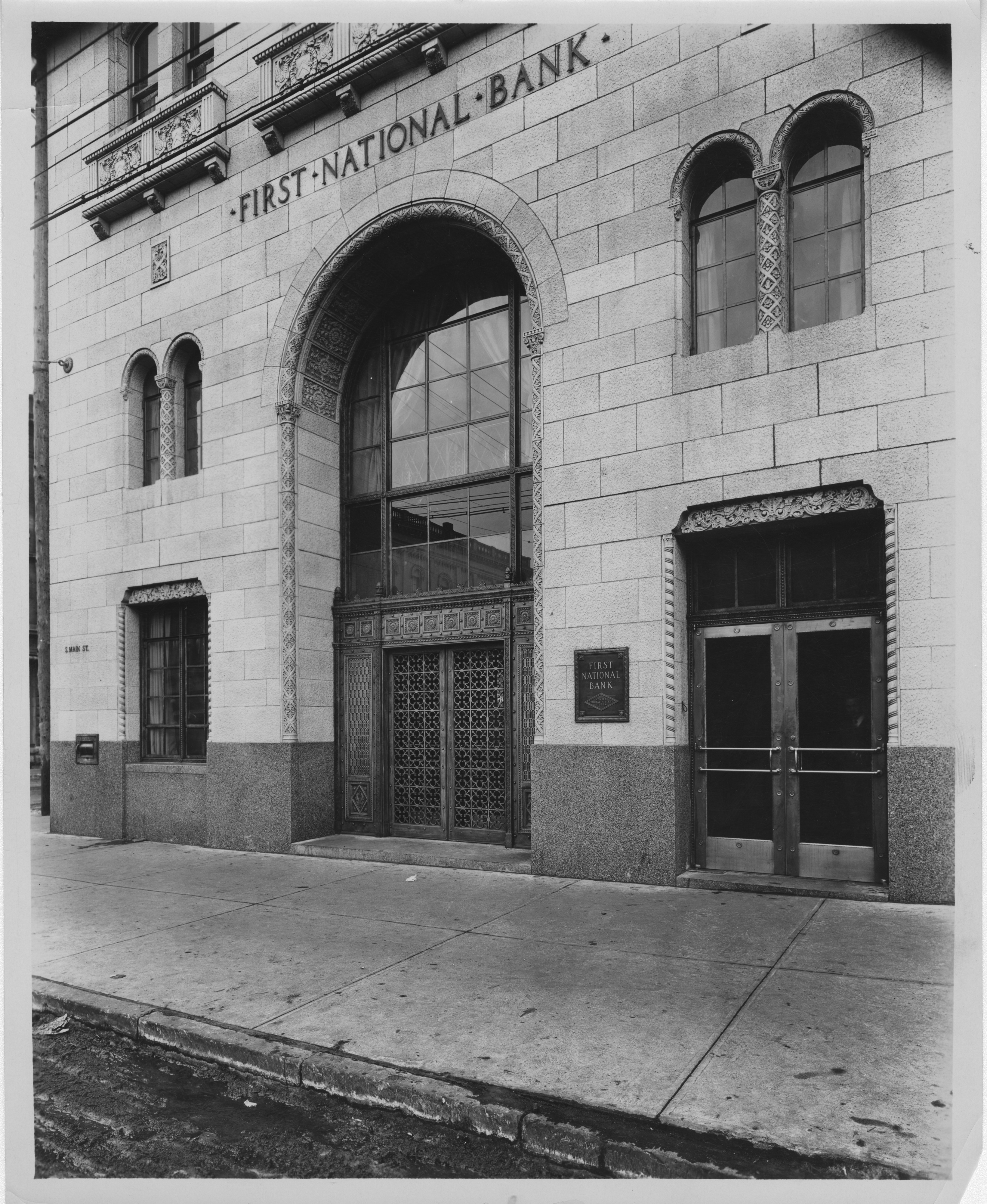 Exterior of First National Bank of Ann Arbor, circa 1930 image