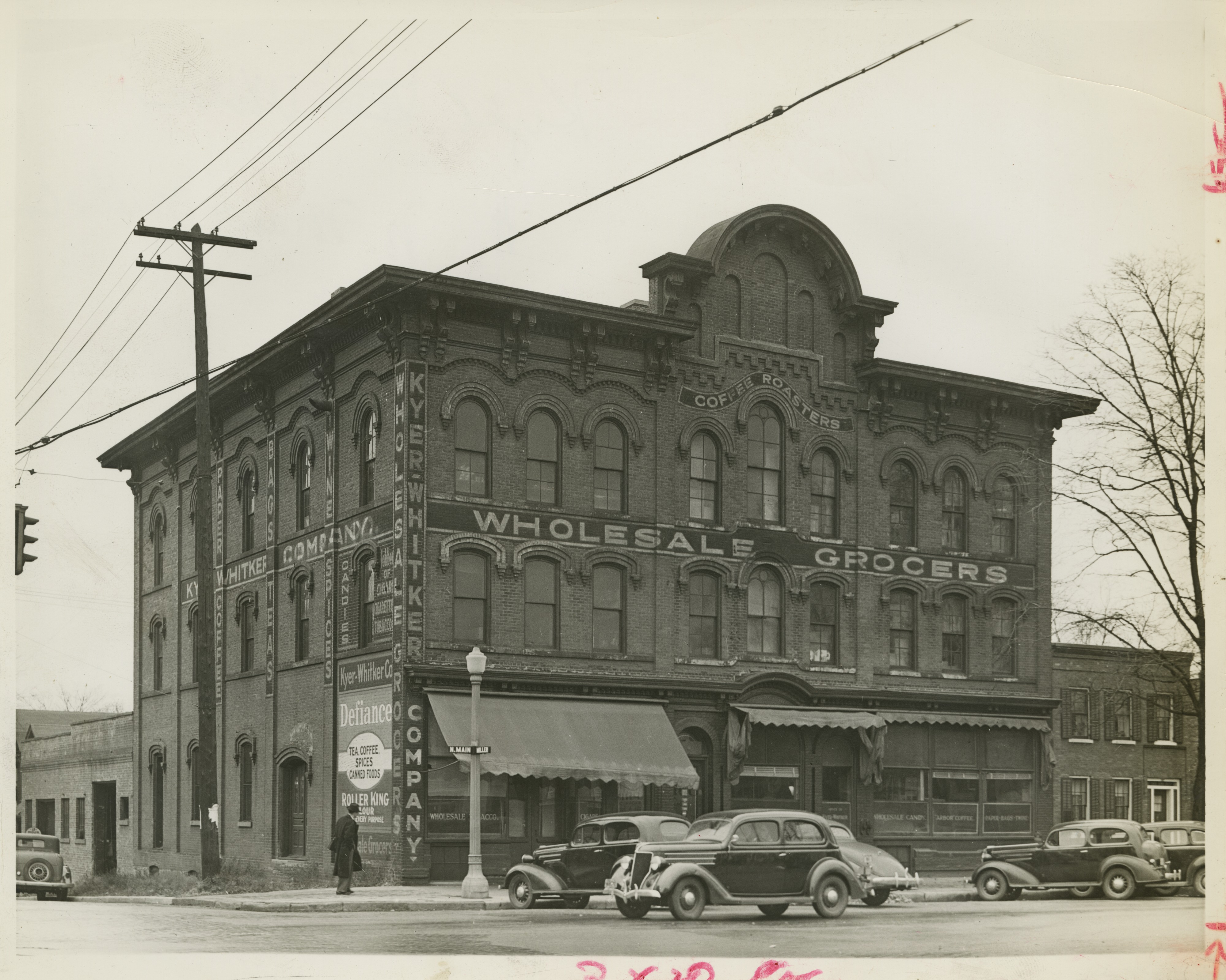 Kyer-Whitker building at Main St and Miller Ave, 1938 image