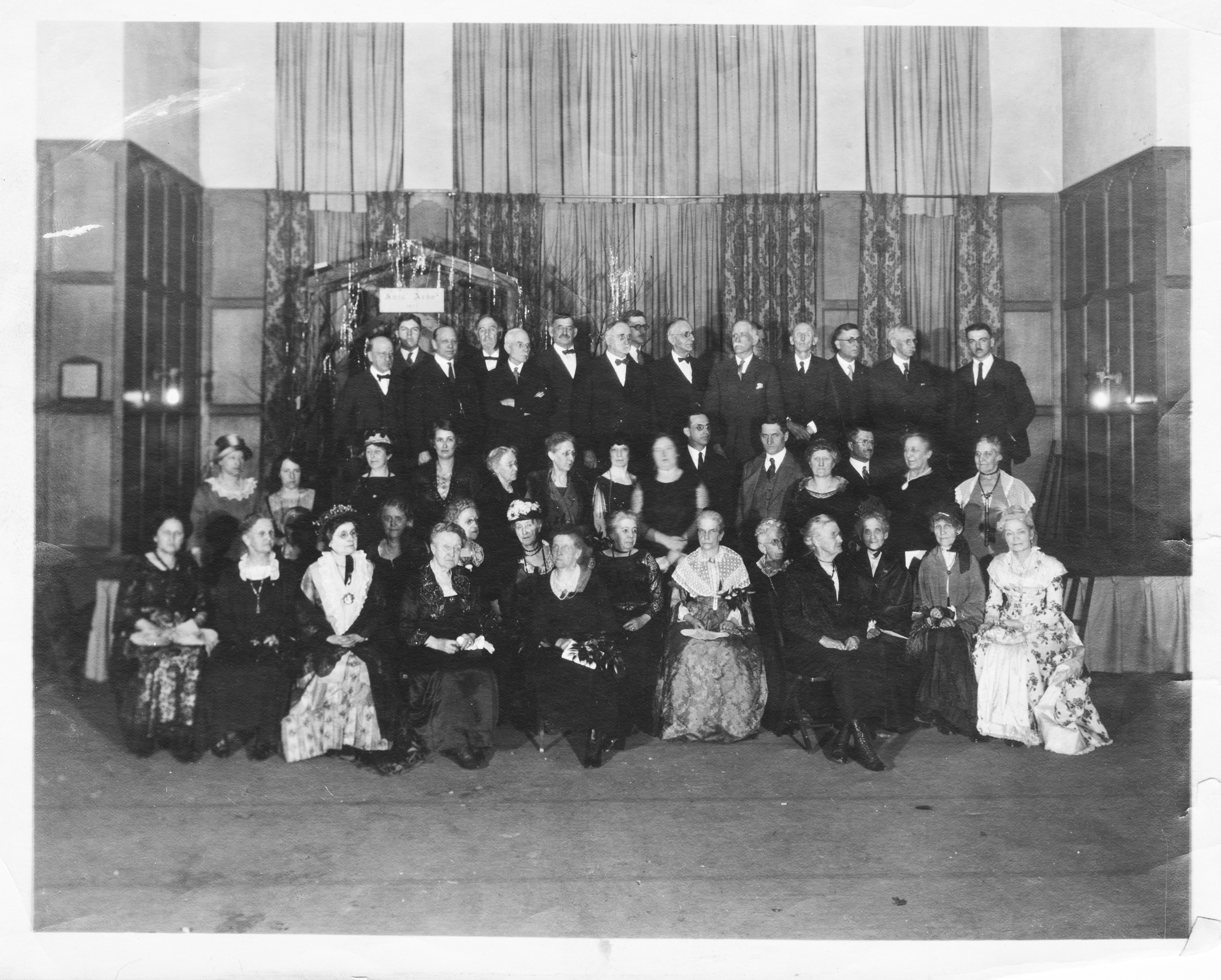 Descendants of Ann Arbor's early settlers at the city's centennial banquet in the Michigan Union on February 27, 1924 image