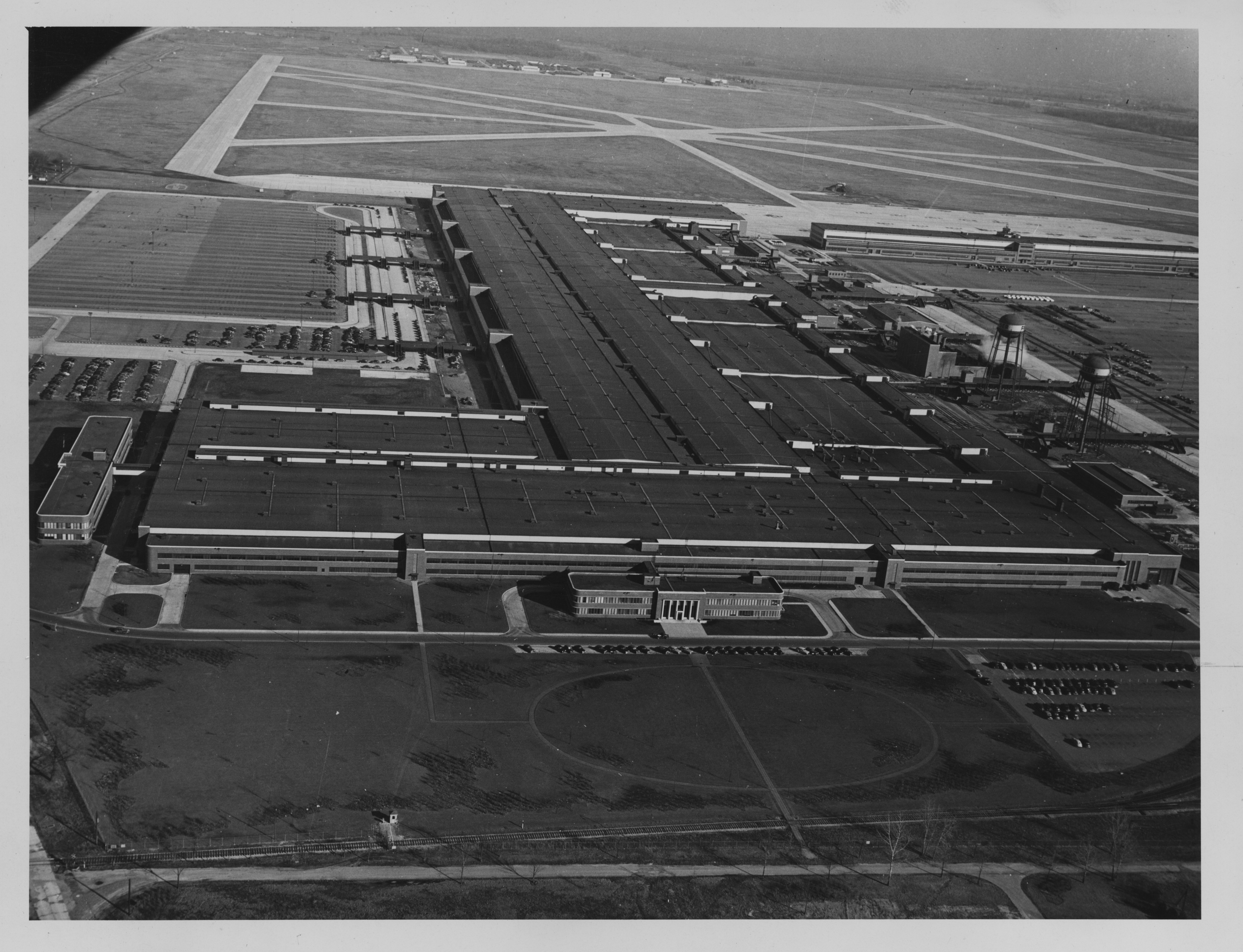 Willow Run Plant Leased to Kaiser-Frazer Corp, looking east, circa 1949 image