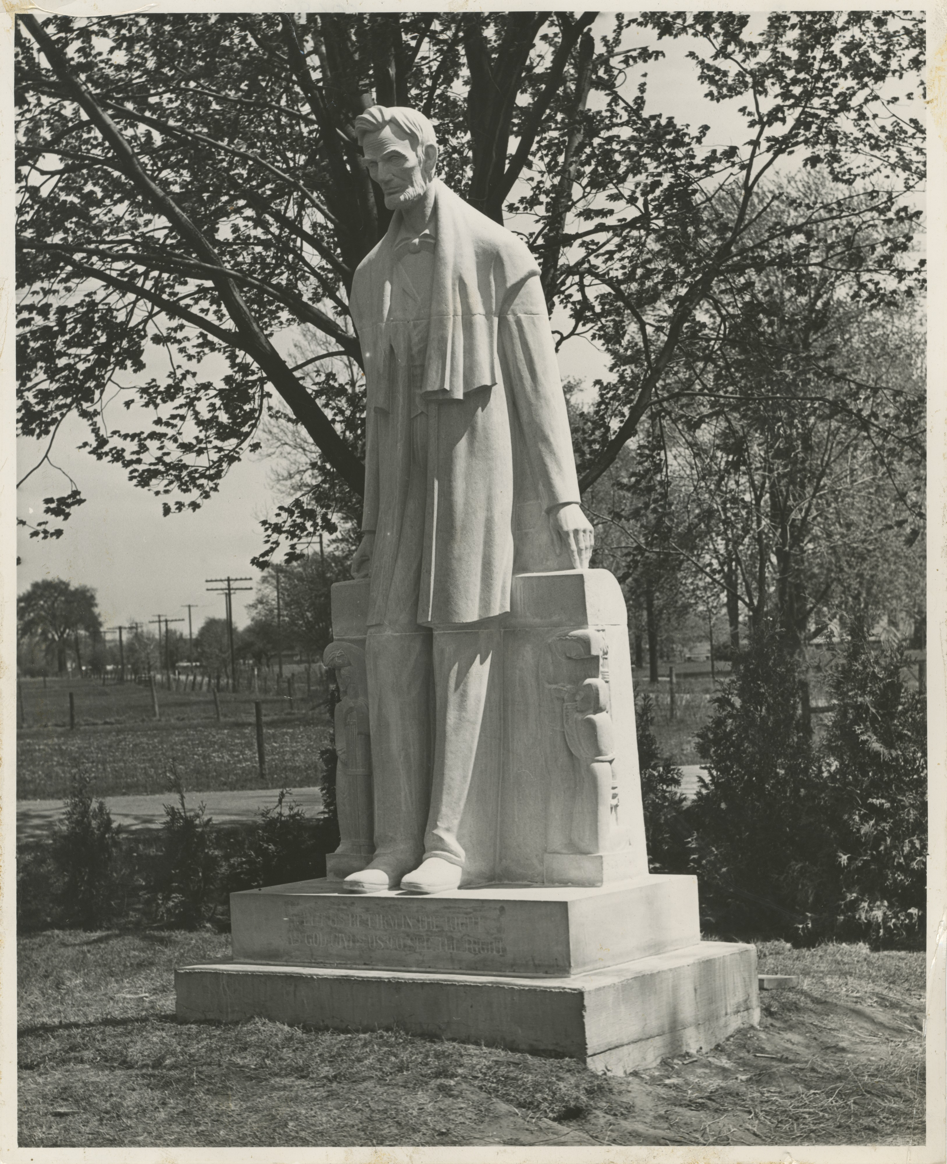 Lincoln Consolidated School Unveils Statue of Abraham Lincoln, May 1938 image
